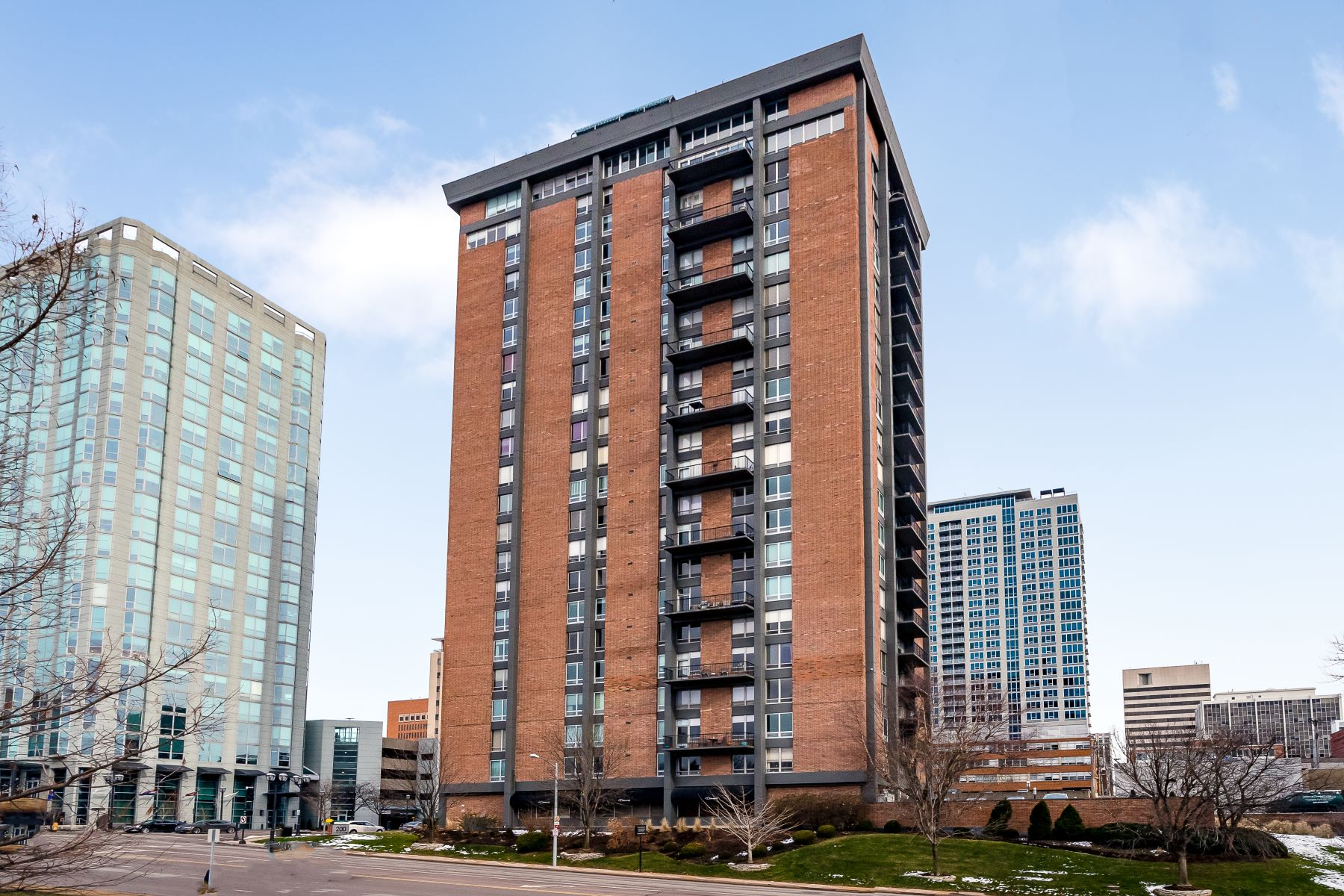 Condominiums for Sale at Park Tower Condominium 200 South Brentwood Boulevard #12F Clayton, Missouri 63105 United States