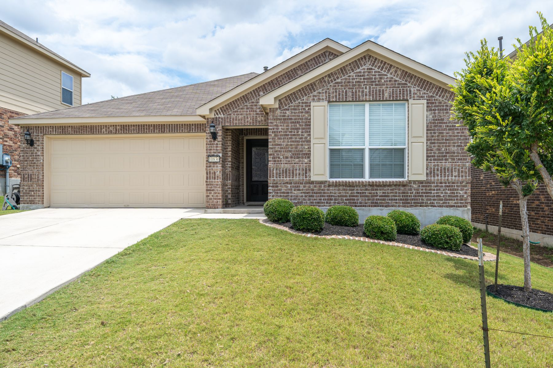 Single Family Homes for Active at Charming Single Story in Helotes 10830 Red Sage Helotes, Texas 78023 United States