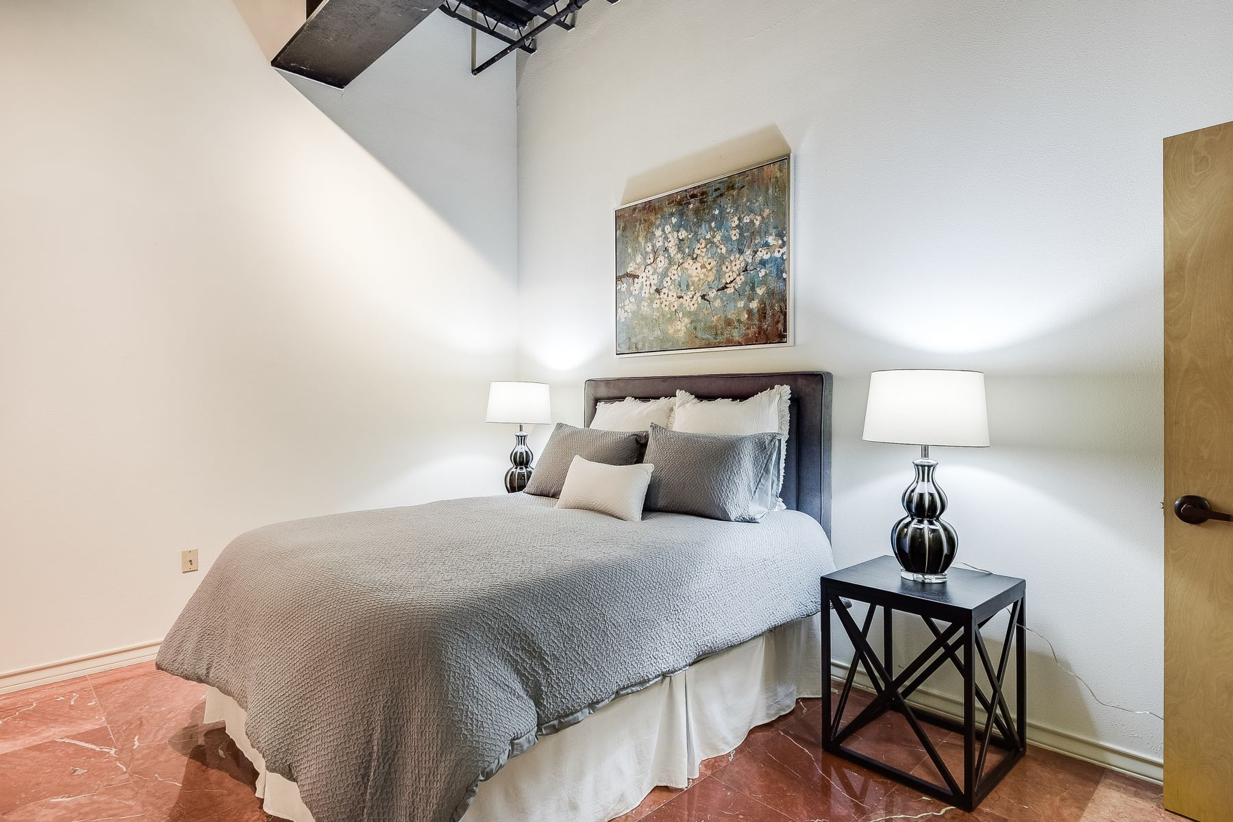 Additional photo for property listing at Fantastic Views in the Heart of Downtown 214 East Travis Street Unit 204 San Antonio, Texas 78205 United States