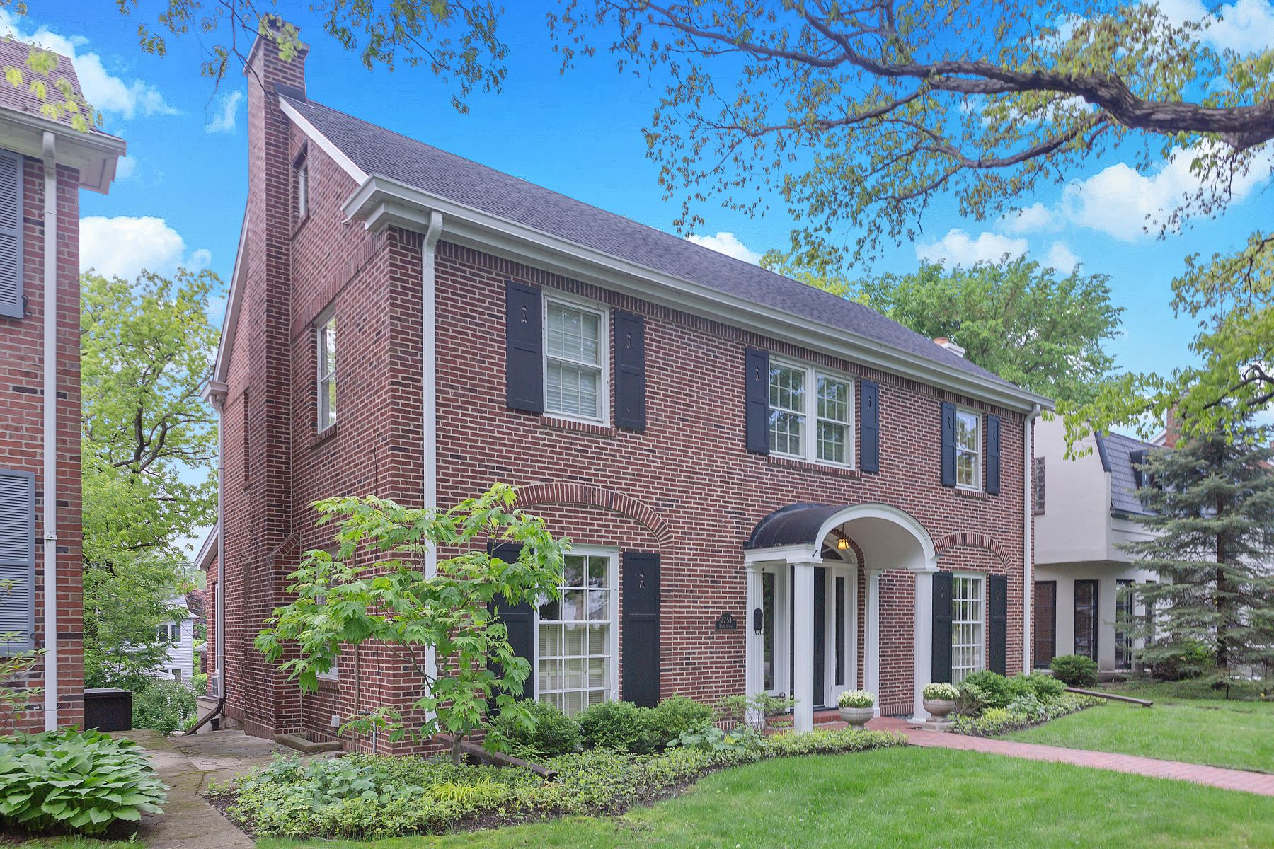 Single Family Homes voor Verkoop op Superb Colonial Home 2754 Ridge Avenue, Evanston, Illinois 60201 Verenigde Staten