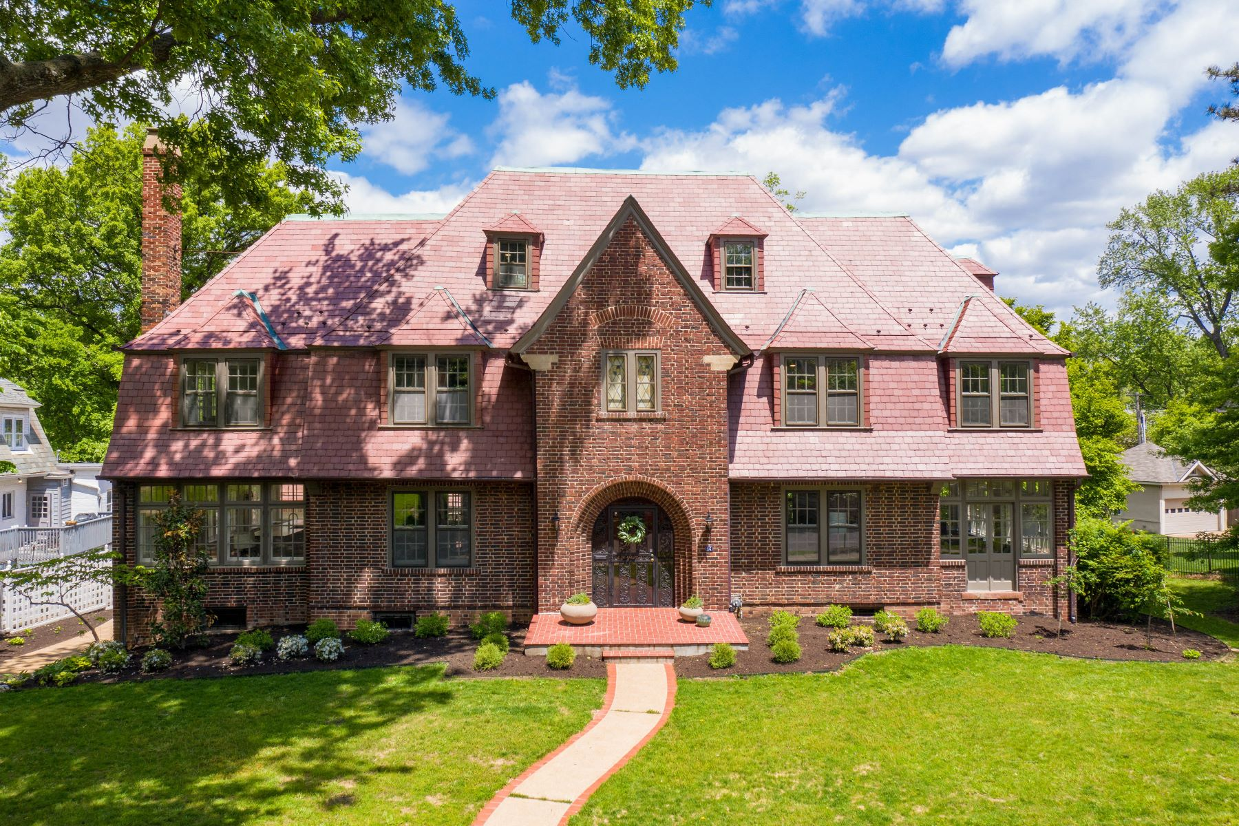Single Family Homes for Sale at Historic Elegance, Reimagined 14 Princeton Avenue University City, Missouri 63130 United States