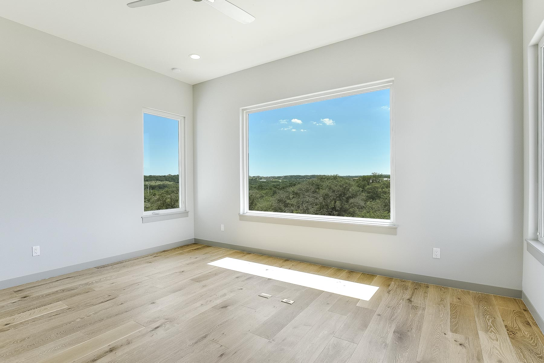 Additional photo for property listing at New Construction in Belvedere 8600 Rollins Dr Austin, Texas 78738 United States