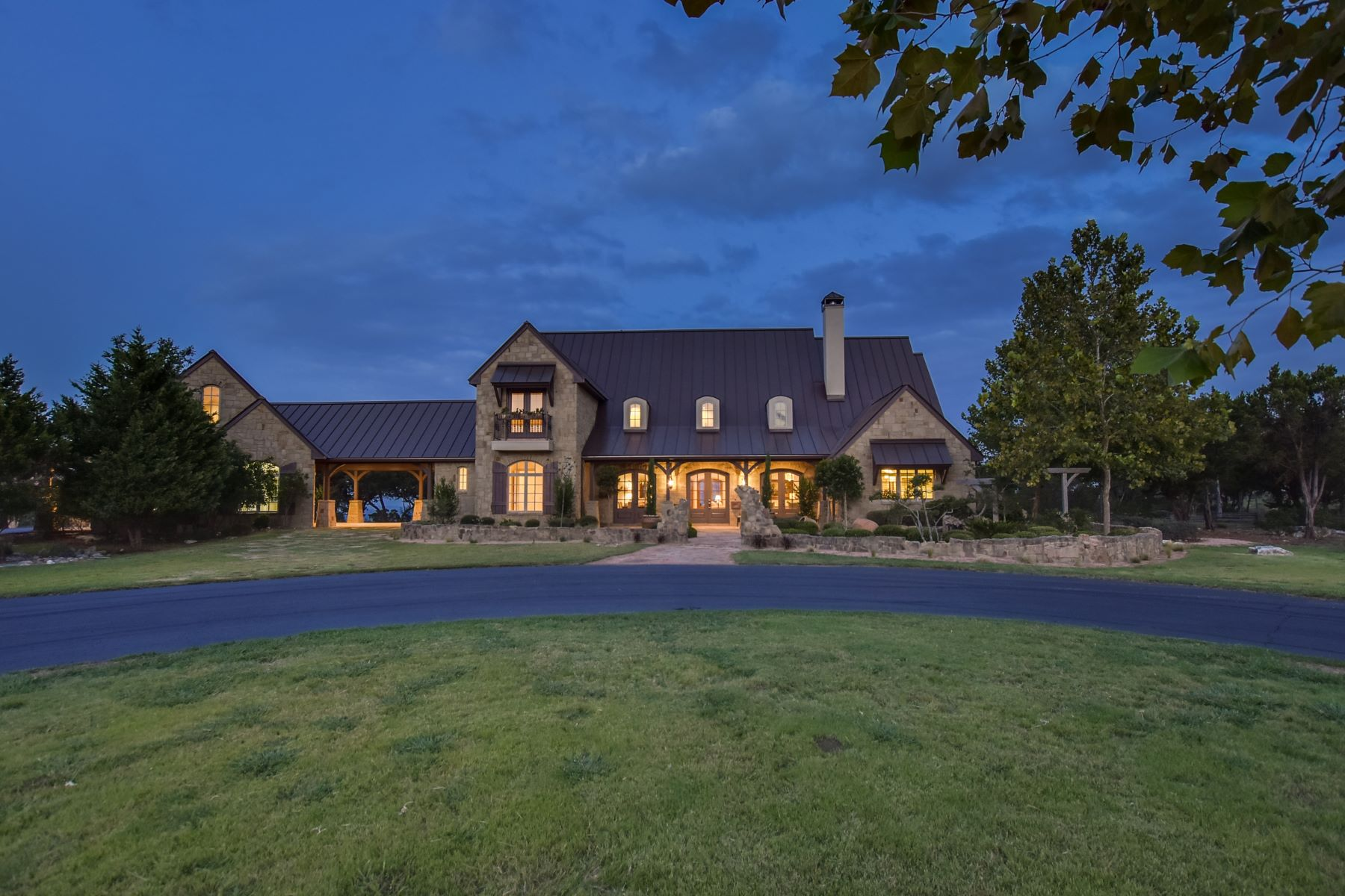 Casa Unifamiliar por un Venta en Panoramic View of the Hill Country 167 Estancia Ln Boerne, Texas 78006 Estados Unidos