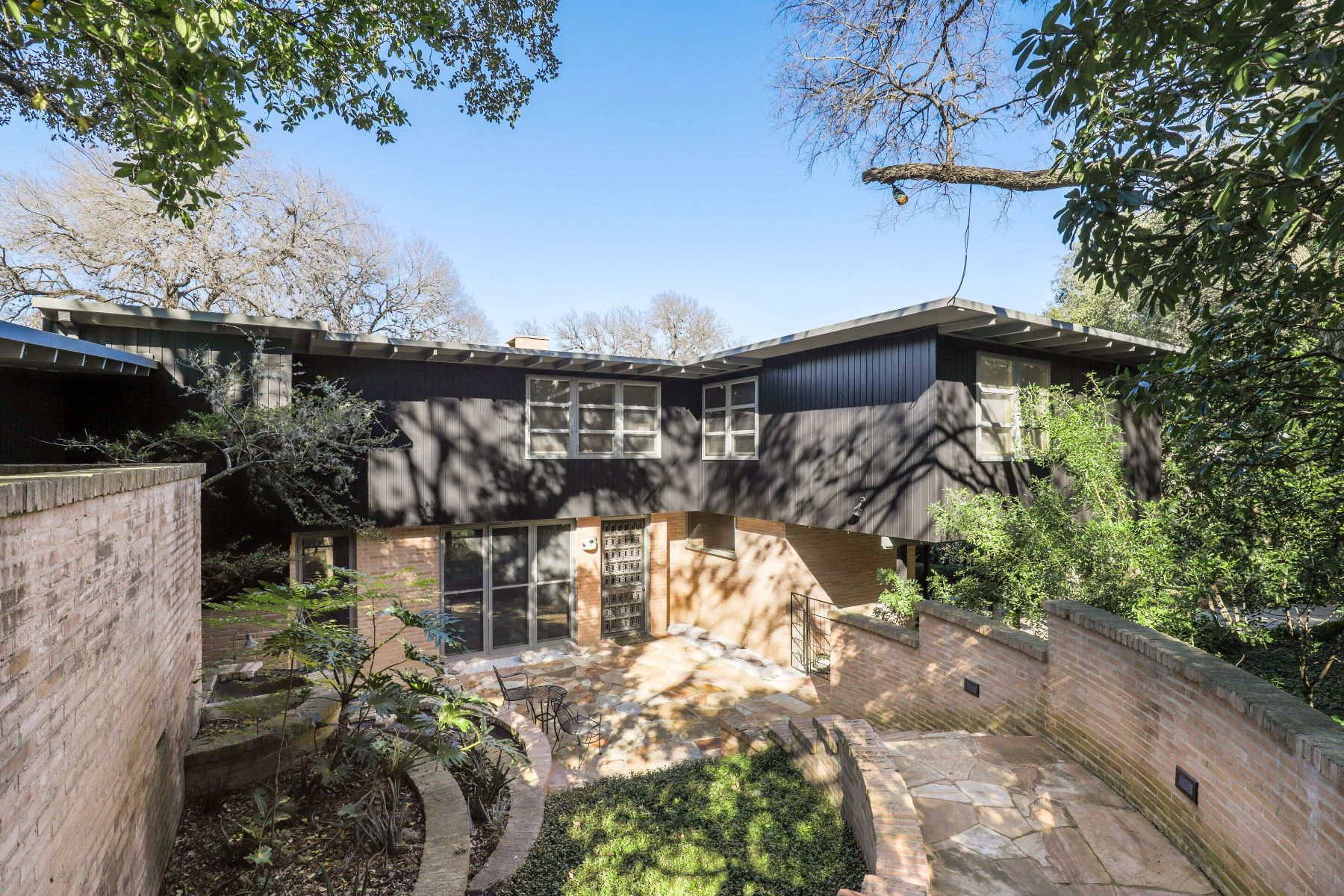 Single Family Homes for Sale at Stunning Gem in Olmos Park 150 Mount Erin Pass San Antonio, Texas 78212 United States