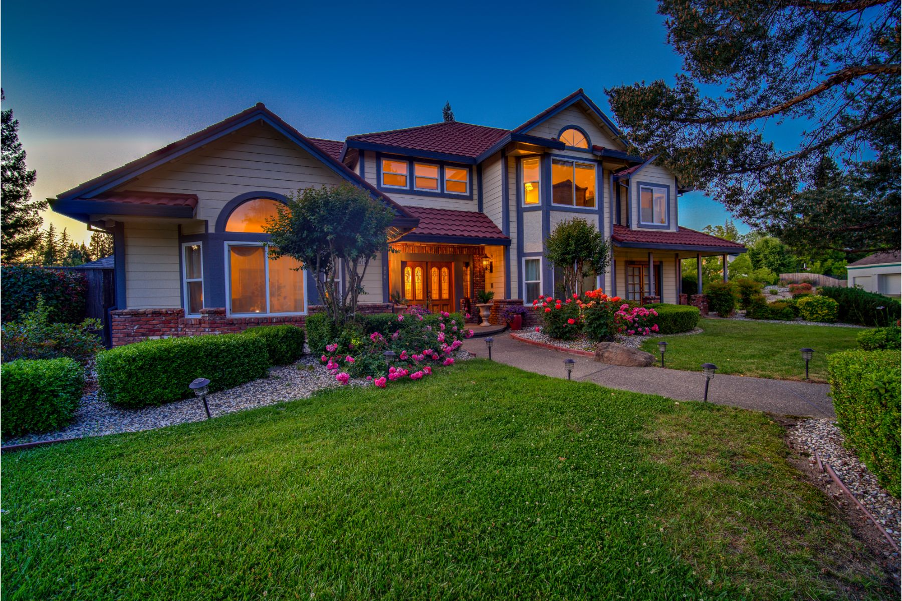 Single Family Homes for Sale at 8781 Petite Creek Drive, Roseville, CA 95661 8781 Petite Creek Drive Roseville, California 95661 United States