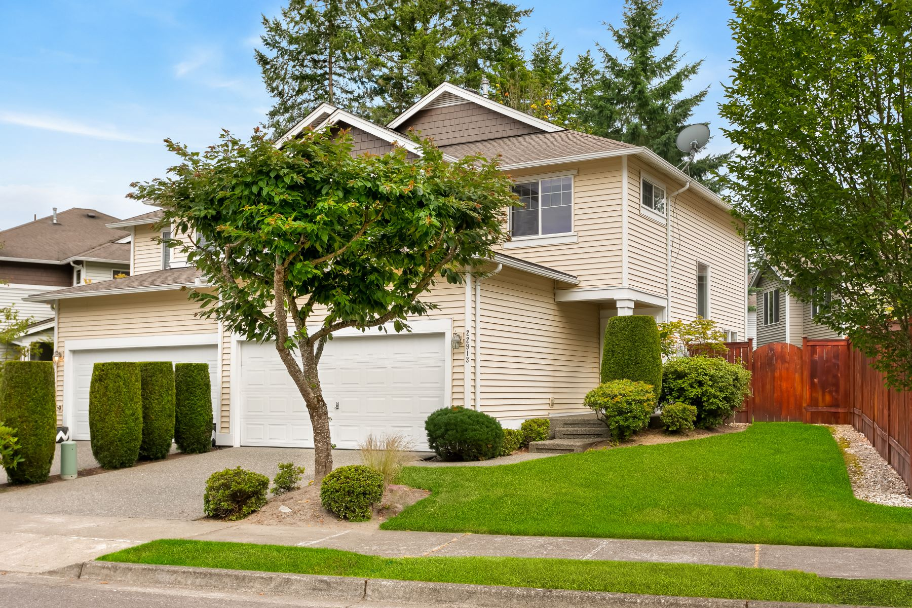 townhouses for Sale at 22913 240th Place SE, Maple Valley, WA 98038 22913 240th Place SE Maple Valley, Washington 98038 United States