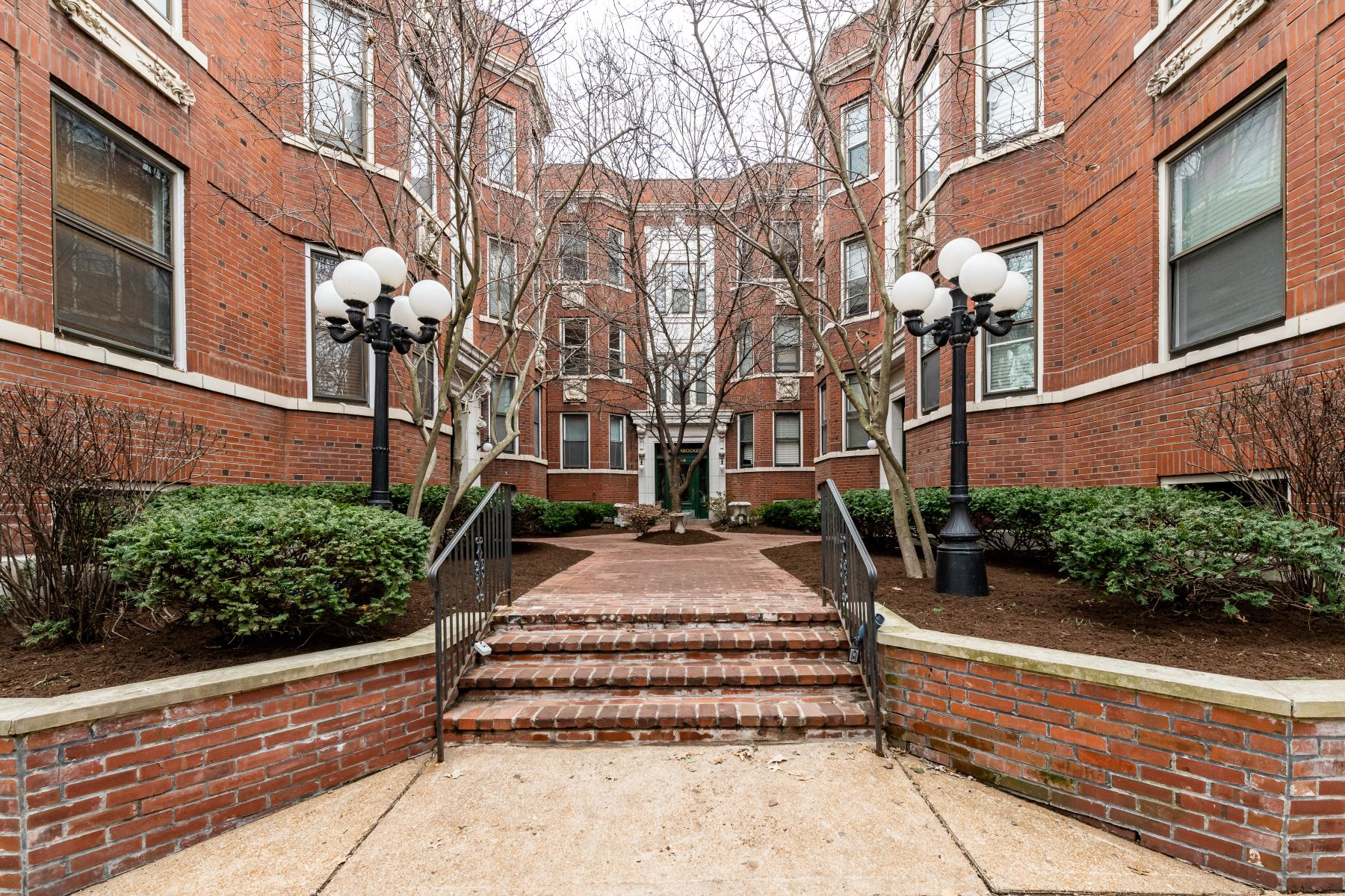 Property for Sale at 380 North Taylor Avenue, St. Louis, MO 63108 380 North Taylor Avenue #3S St. Louis, Missouri 63108 United States
