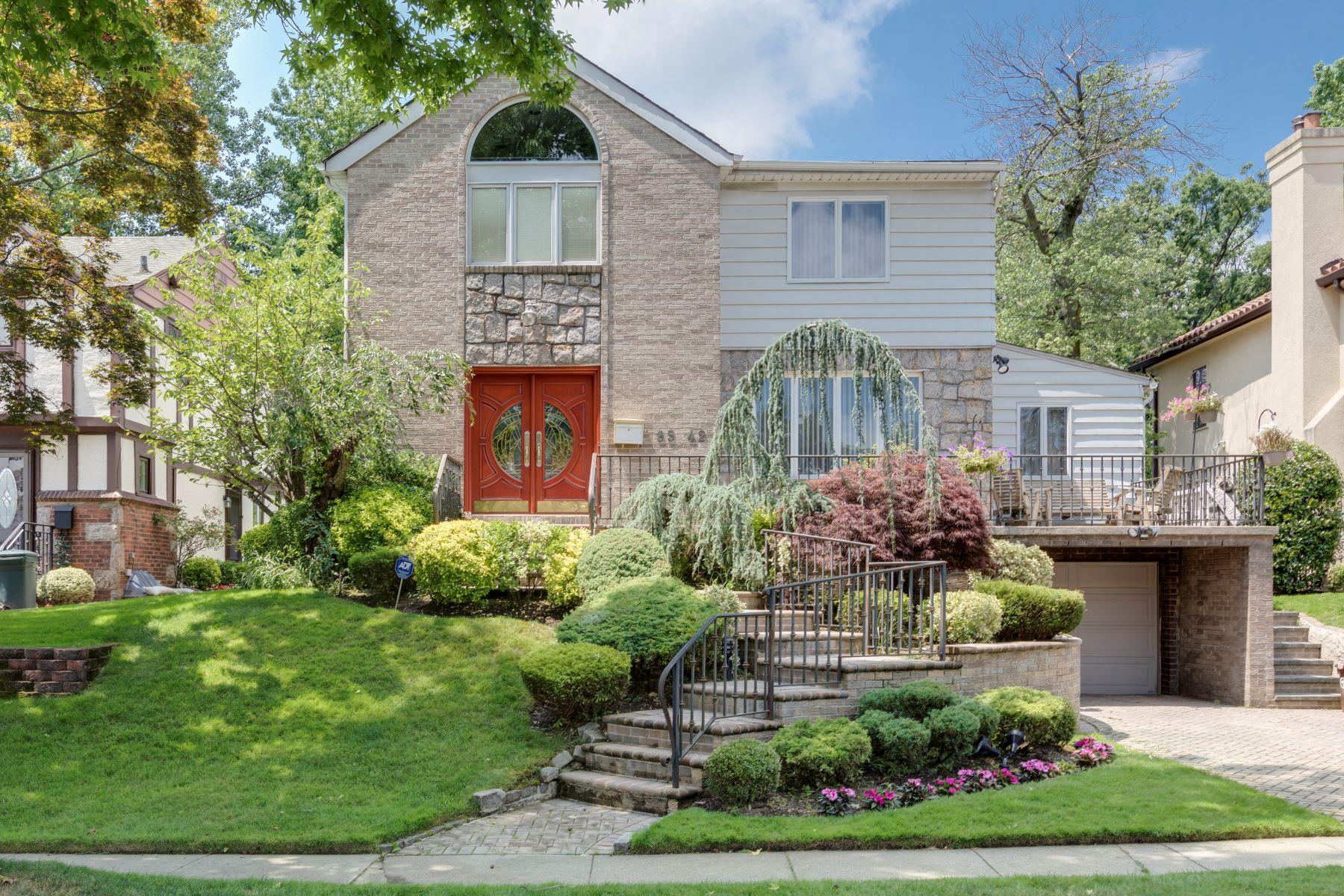 Single Family Homes 為 出售 在 85-42 214 Street, Hollis Hills, Ny, 11427 Queens Village, 纽约 11427 美國