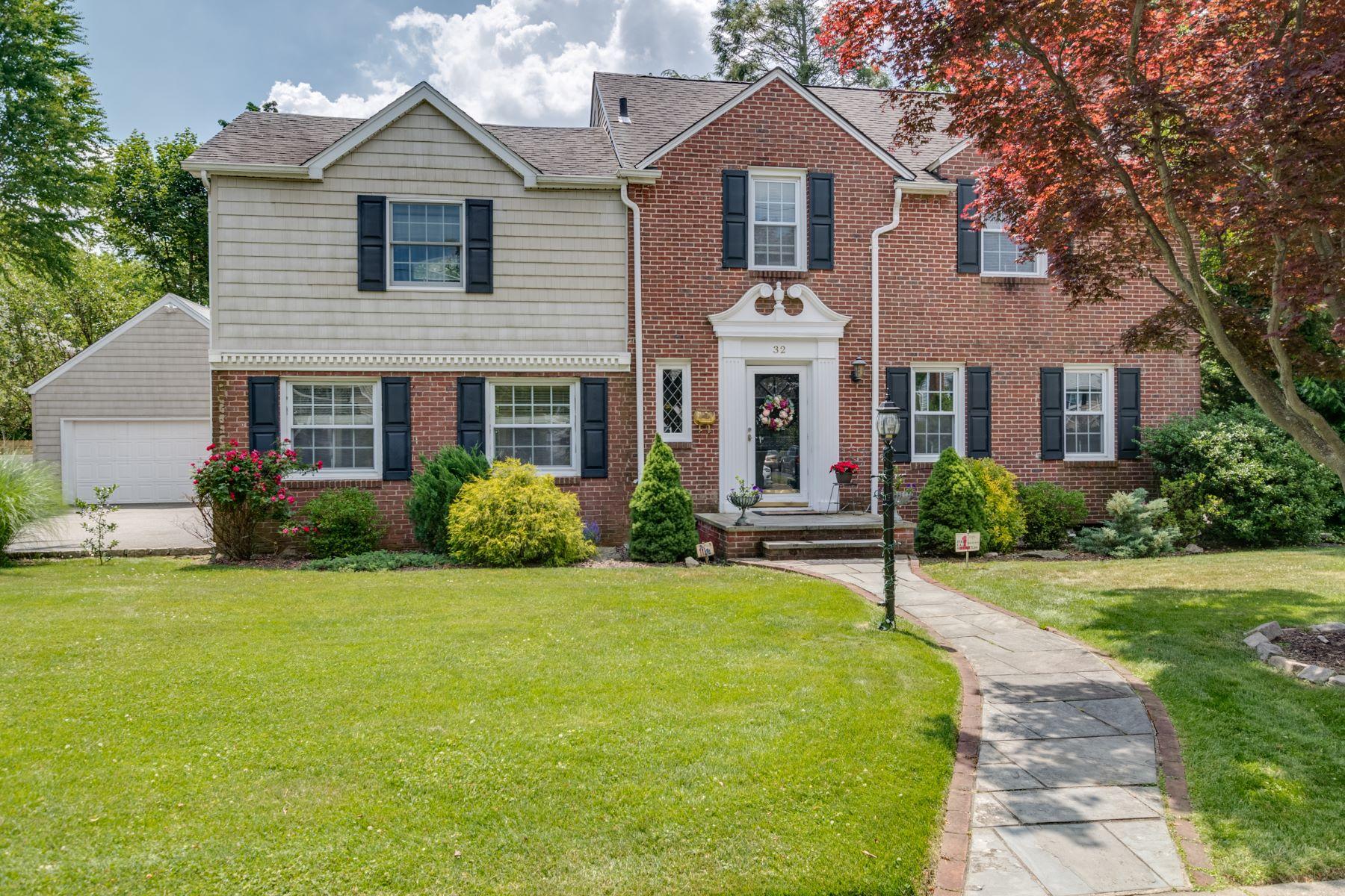 Single Family Homes 為 出售 在 32 Donald Street, E. Williston, Ny, 11596 East Williston, 纽约 11596 美國