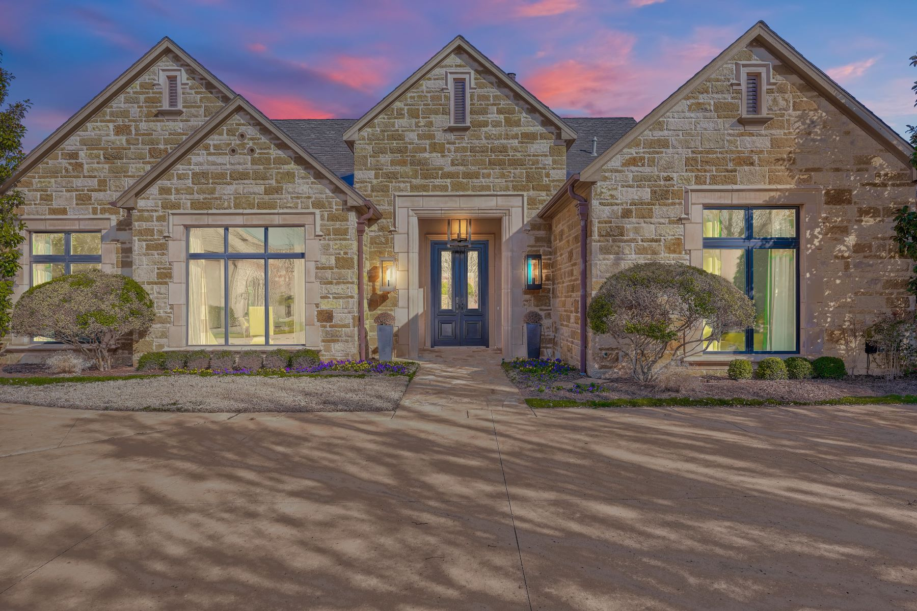 Single Family Homes for Sale at Grand Living in Gaillardia 15021 Laurin Lane Oklahoma City, Oklahoma 73142 United States