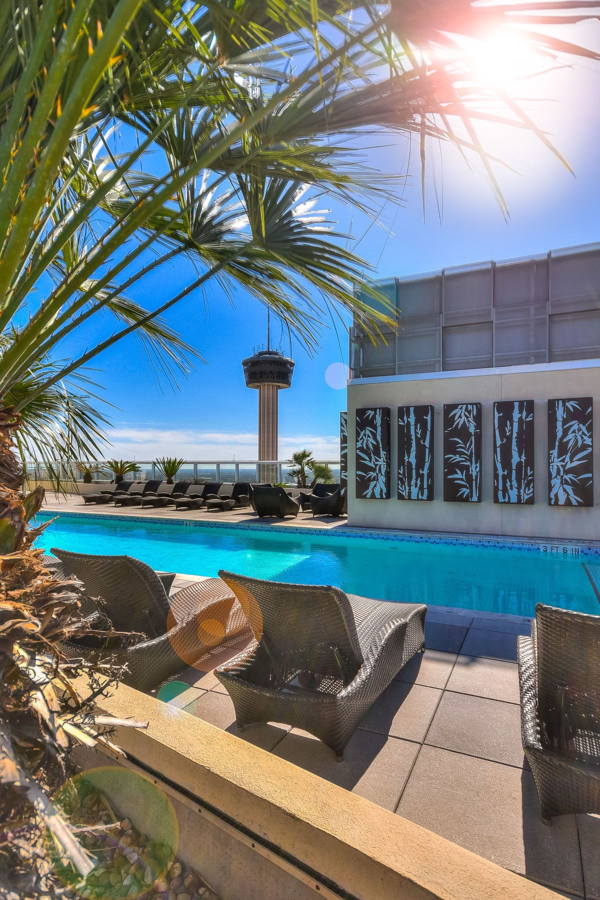 Additional photo for property listing at Luxury Two Bedroom Condominium 600 East Market Street #3119 San Antonio, Texas 78205 United States