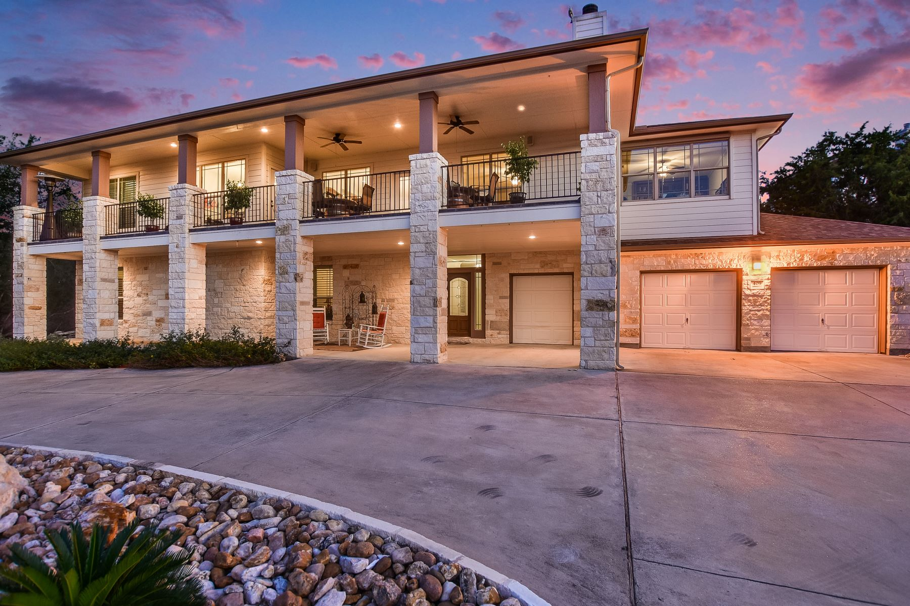 Single Family Home for Sale at Lake Views in Point Venture 409 Cascade Circle, Point Venture, Texas, 78645 United States