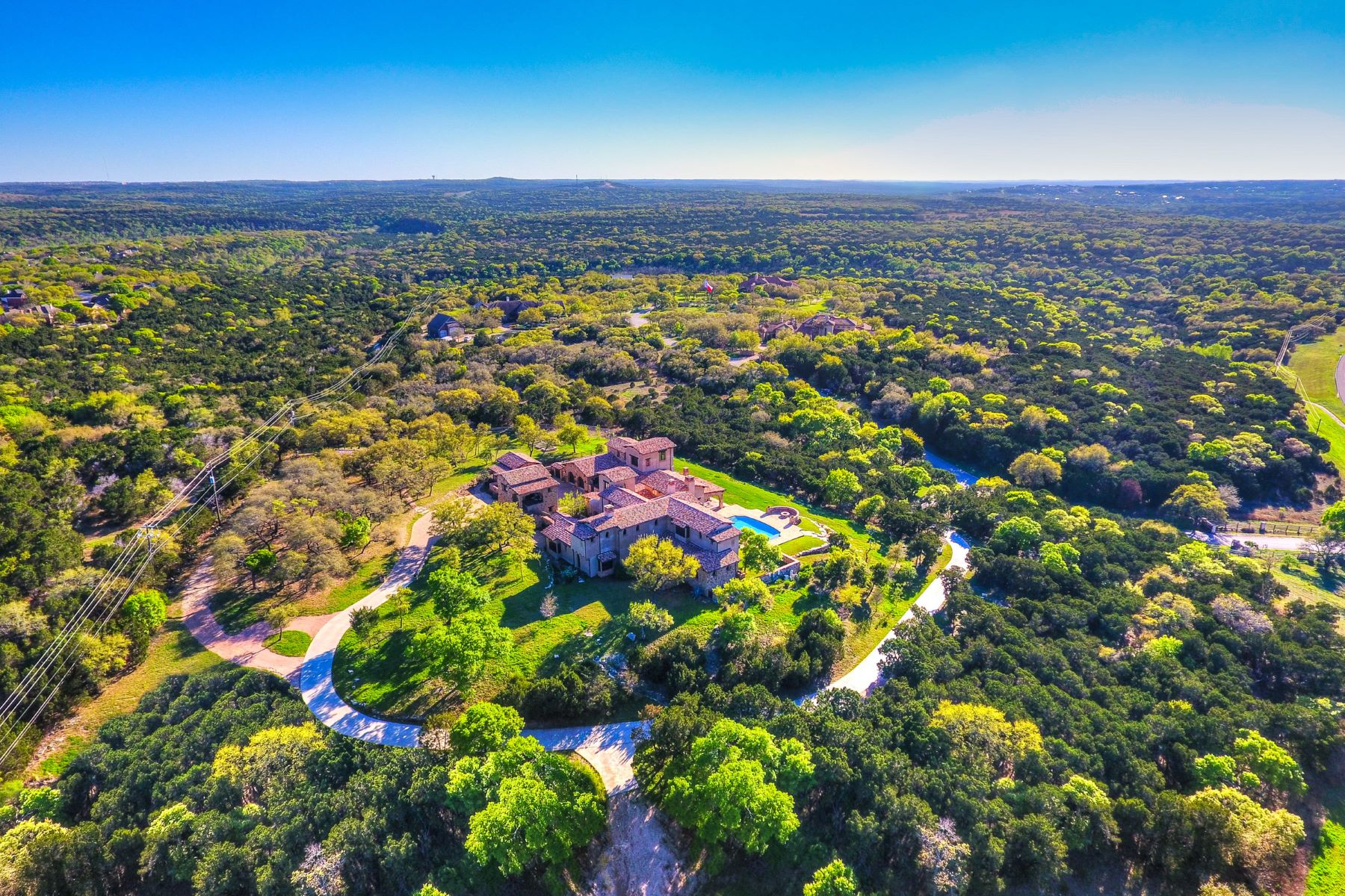 Maison unifamiliale pour l Vente à Stunning Hacienda on 8.7 Acres 2401 Dominion Hill, Austin, Texas, 78733 États-Unis