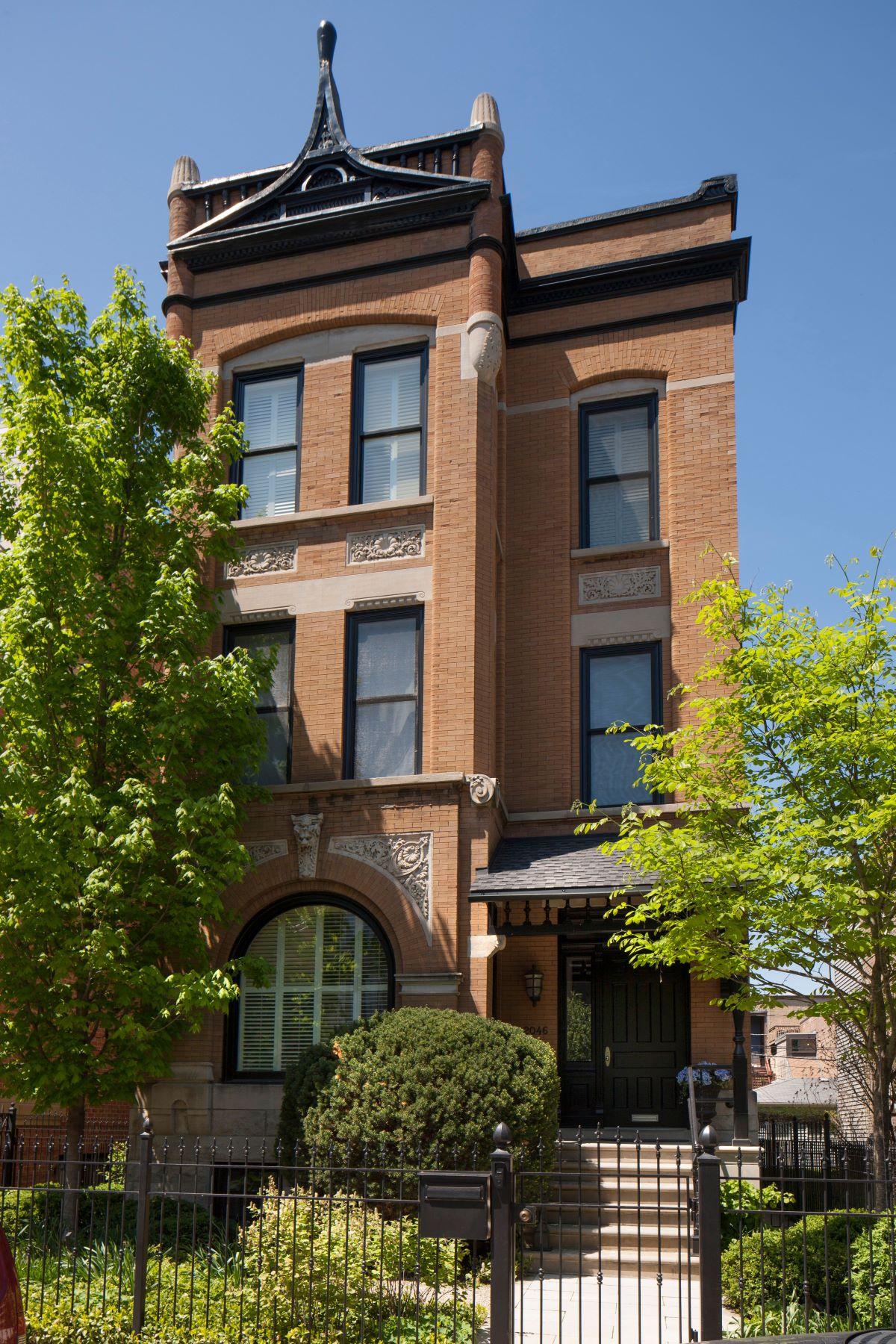 Condominiums por un Venta en Sophisticated Lincoln Park gem 2046 N Clifton Avenue Chicago, Illinois 60614 Estados Unidos