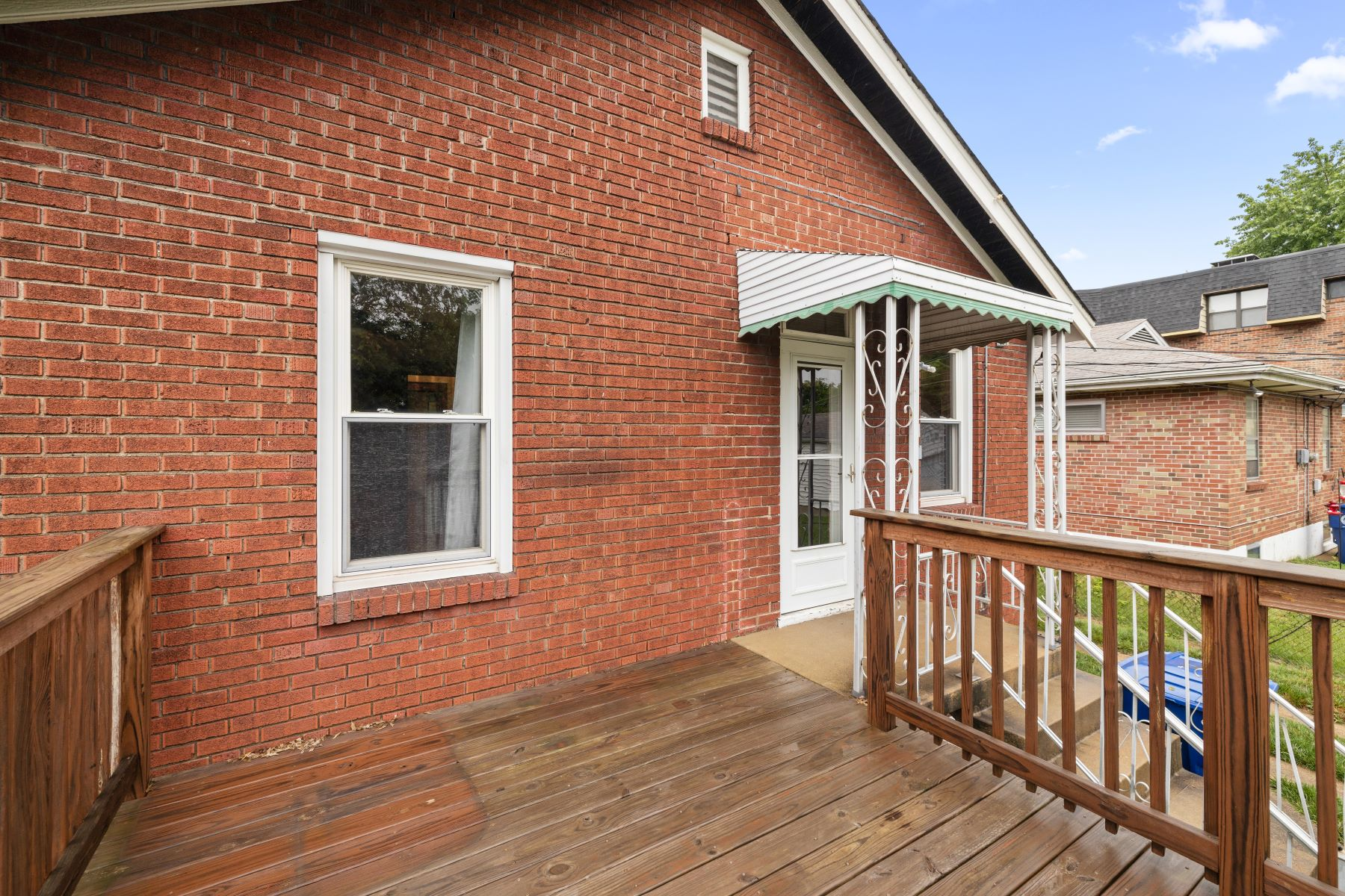 Additional photo for property listing at Clifton Heights Charmer 6624 Marmaduke Avenue St. Louis, Missouri 63139 United States