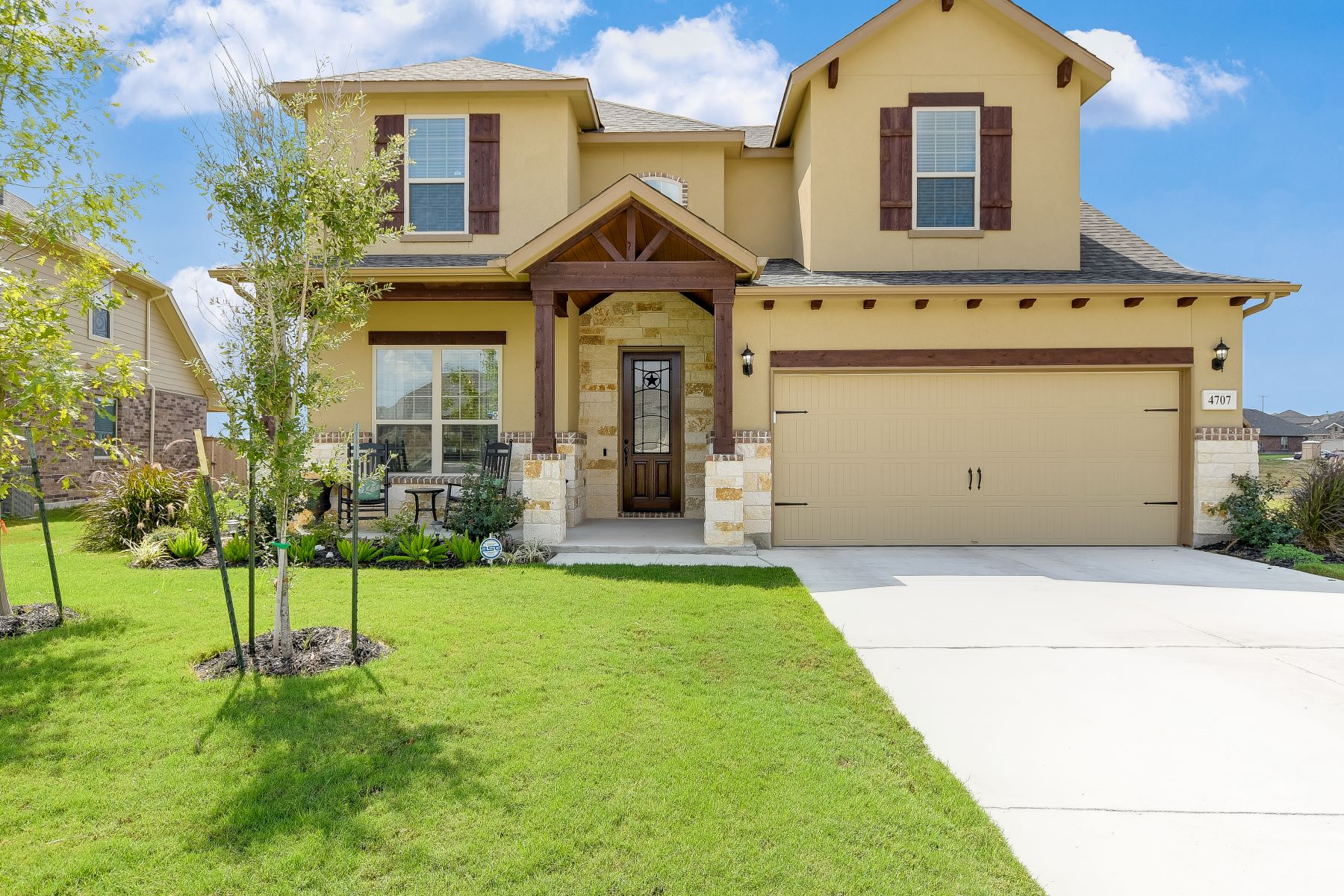 Single Family Homes for Sale at Two Story Gem with Multiple Builder Upgrades 4707 Island Hollow Marion, Texas 78124 United States
