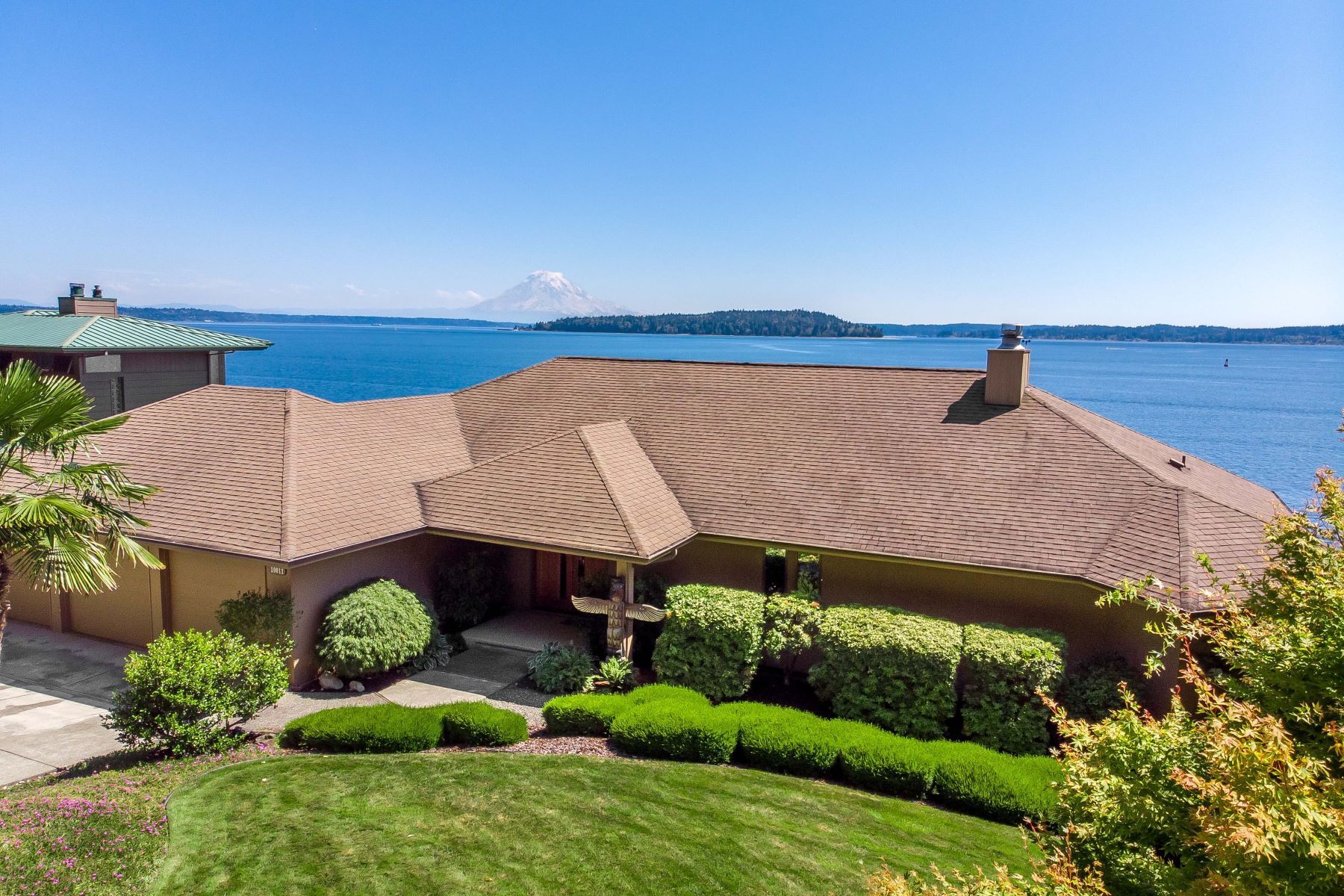 Single Family Homes for Sale at 10011 NE South Beach Drive, Bainbridge Island, WA 98110 10011 NE South Beach Drive Bainbridge Island, Washington 98110 United States
