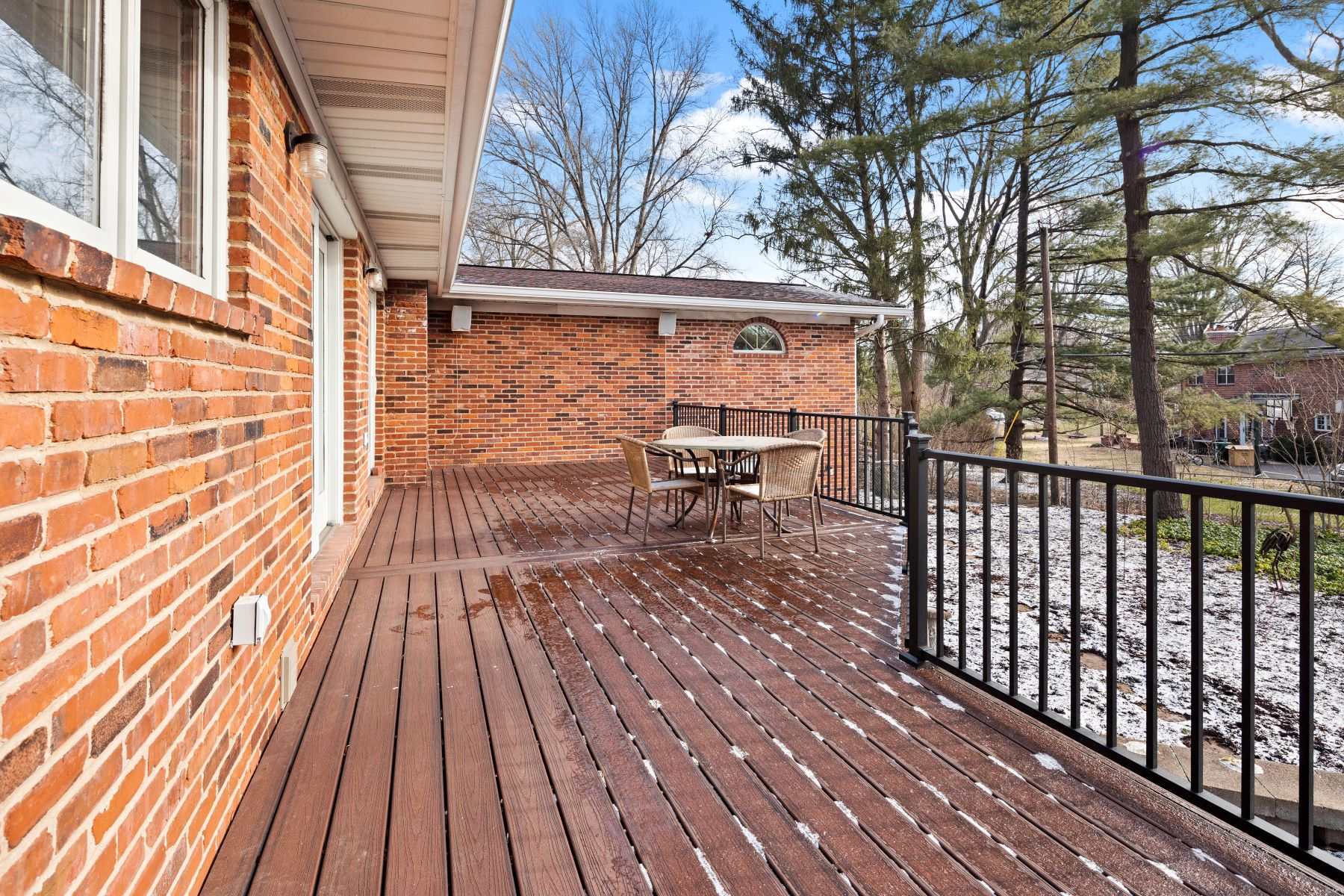 Additional photo for property listing at Spacious Ranch in Warson Woods 1470 Reauville Drive Warson Woods, Missouri 63122 United States