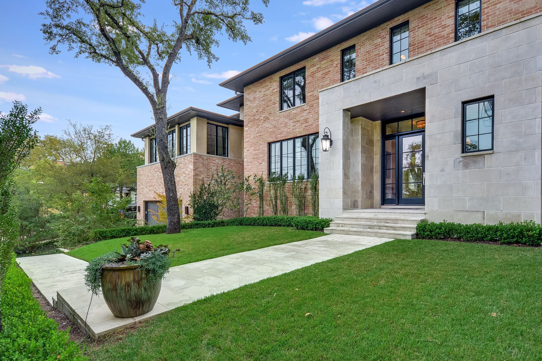 Single Family Home for Sale at Tarrytown Timeless Contemporary 2907 Townes Lane Austin, Texas 78703 United States