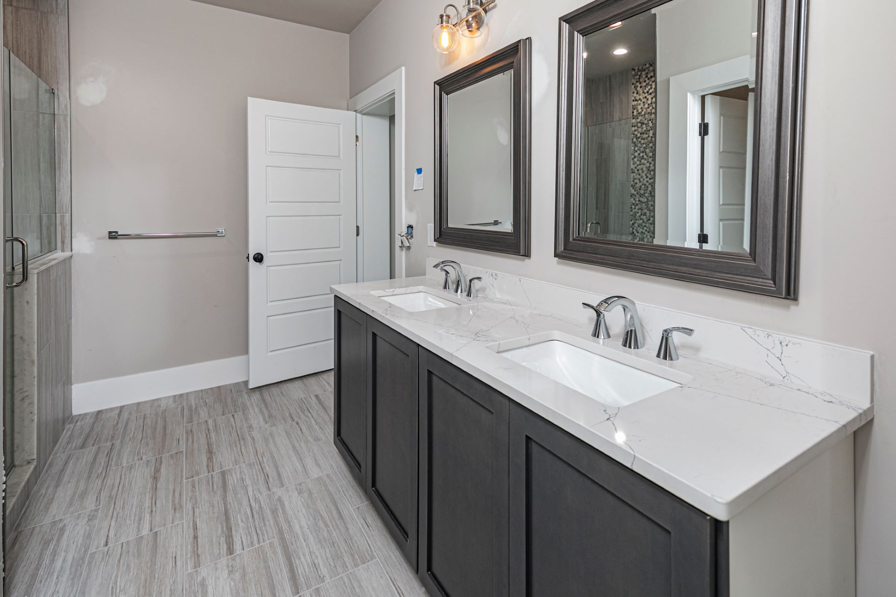 Additional photo for property listing at Bold, Artfully Designed Townhome in the Heart of Quaint Frenchtown 19 River Mills Drive, Frenchtown, New Jersey 08825 United States
