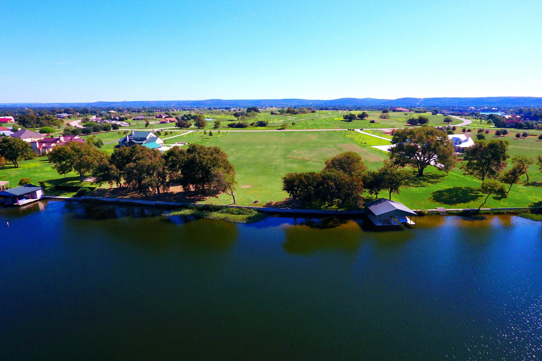 Terreno por un Venta en Exceptional Waterfront Estate Site in The Legends on Lake LBJ Lot 1040 Legends Pkwy Kingsland, Texas 78639 Estados Unidos