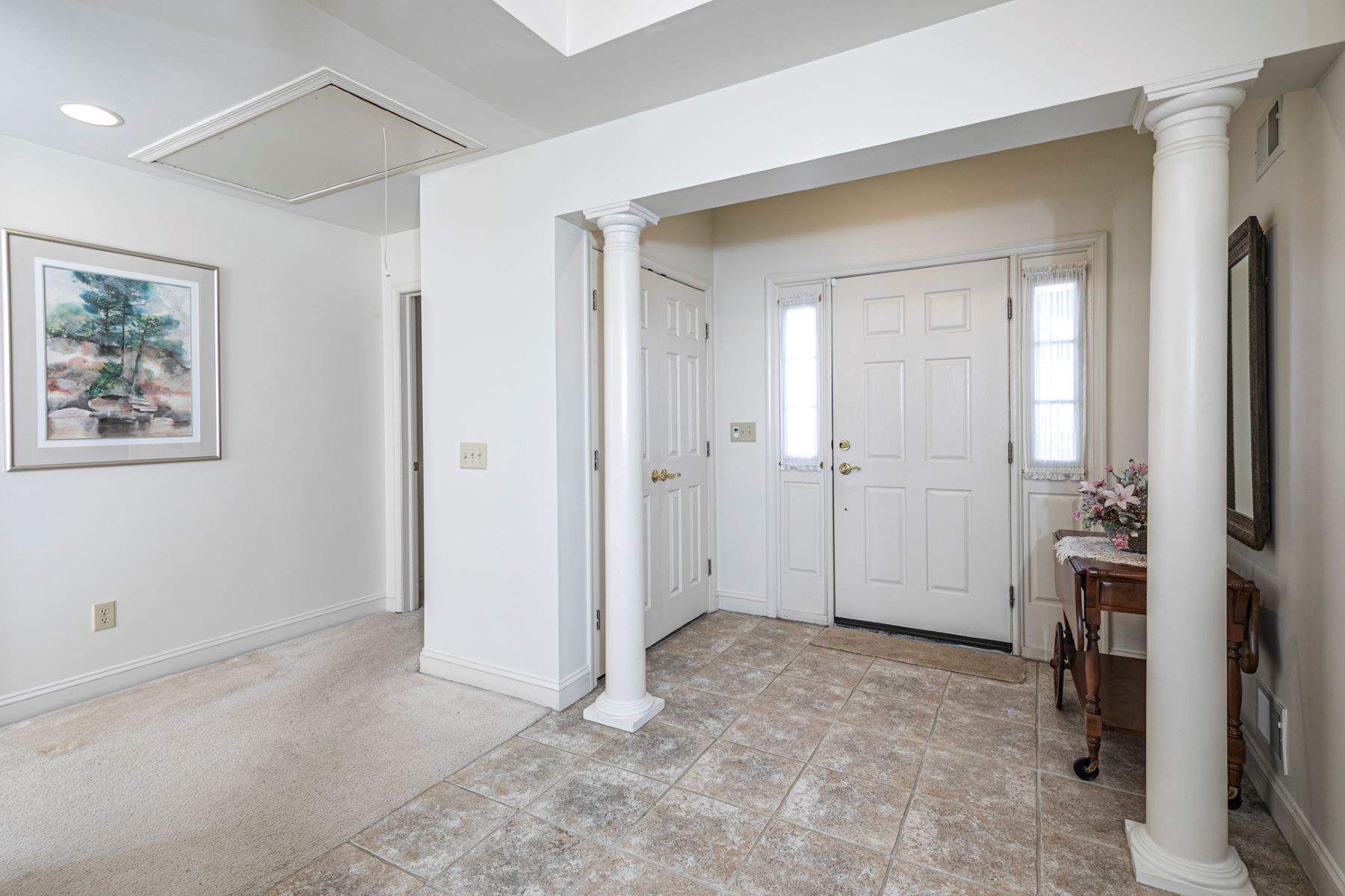 Additional photo for property listing at It's All Here… Space, Privacy & 5-Star Amenities 2 Birchwood Court, Princeton, New Jersey 08540 United States
