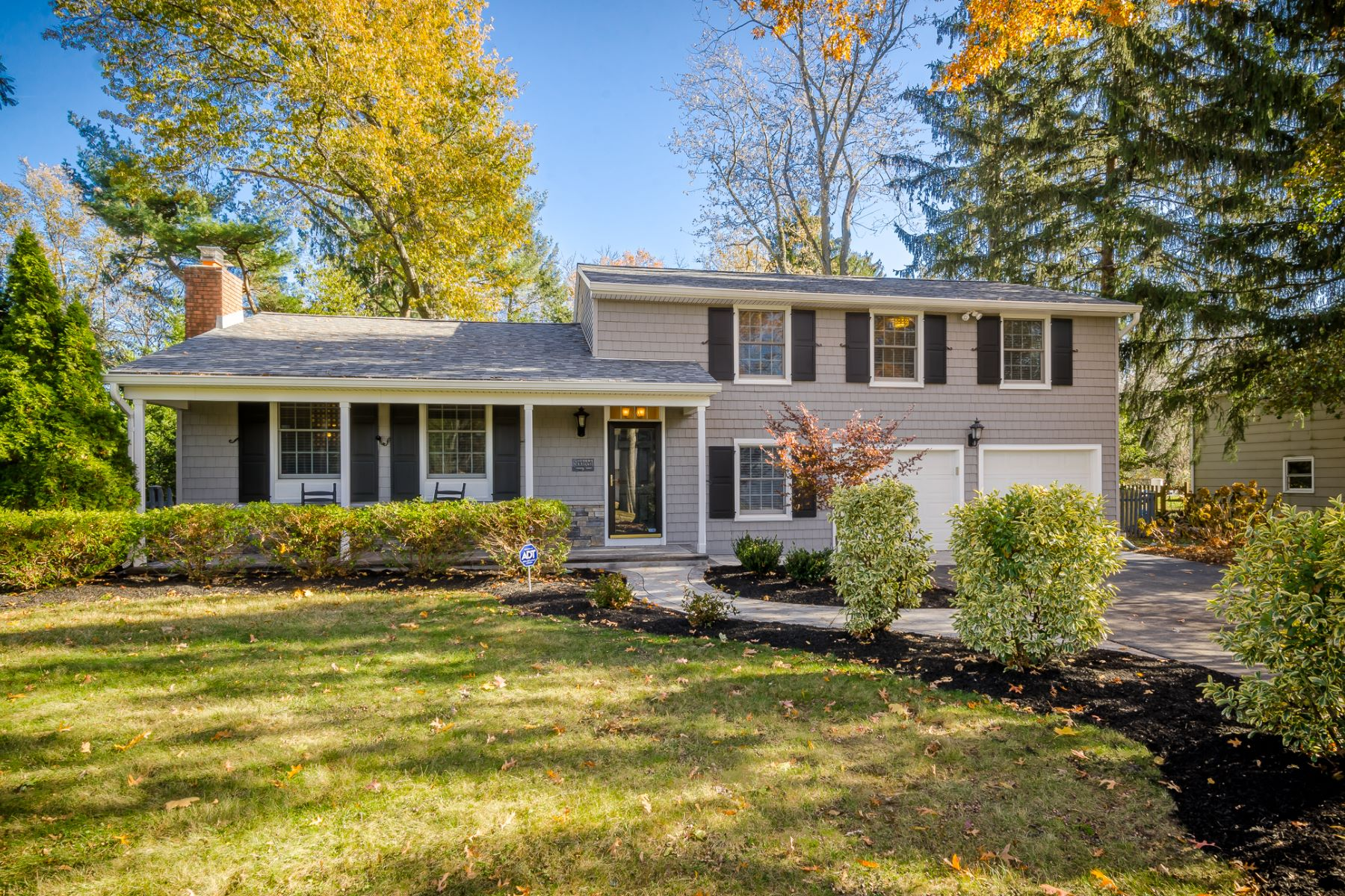 Single Family Homes for Active at Completely Charming and Up-to-Date in Cranbury 16 Ryan Road Cranbury, New Jersey 08512 United States