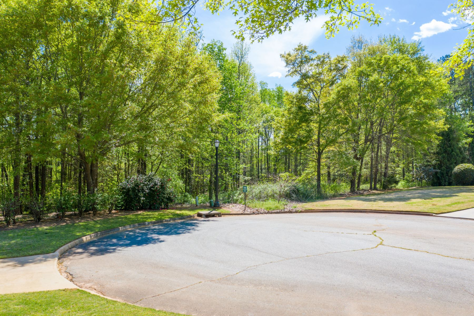 Single Family Homes for Sale at 6 Peters Creek Court, Simpsonville, SC 29681 6 Peters Creek Court Simpsonville, South Carolina 29681 United States