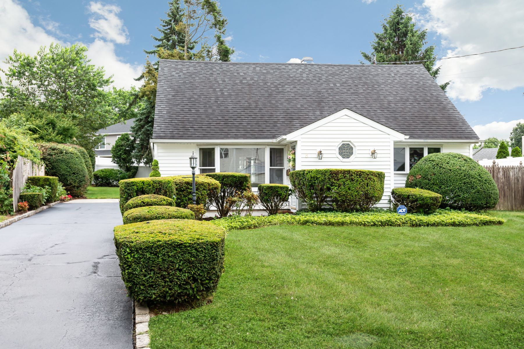 Single Family Homes 為 出售 在 6 The Spur Spur, Syosset, Ny, 11791 Syosset, 纽约 11791 美國