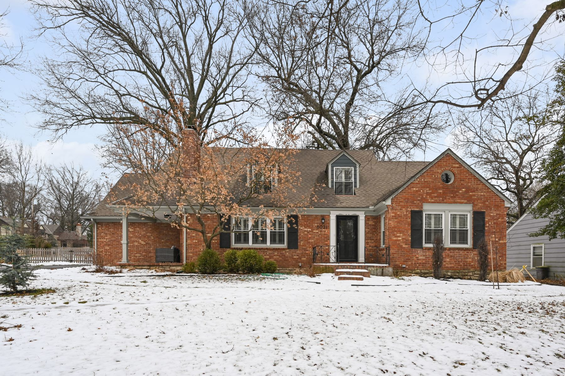 Single Family Homes for Active at Charming Brick Cape Cod in Old Leawood 8021 Lee Boulevard Leawood, Kansas 66206 United States