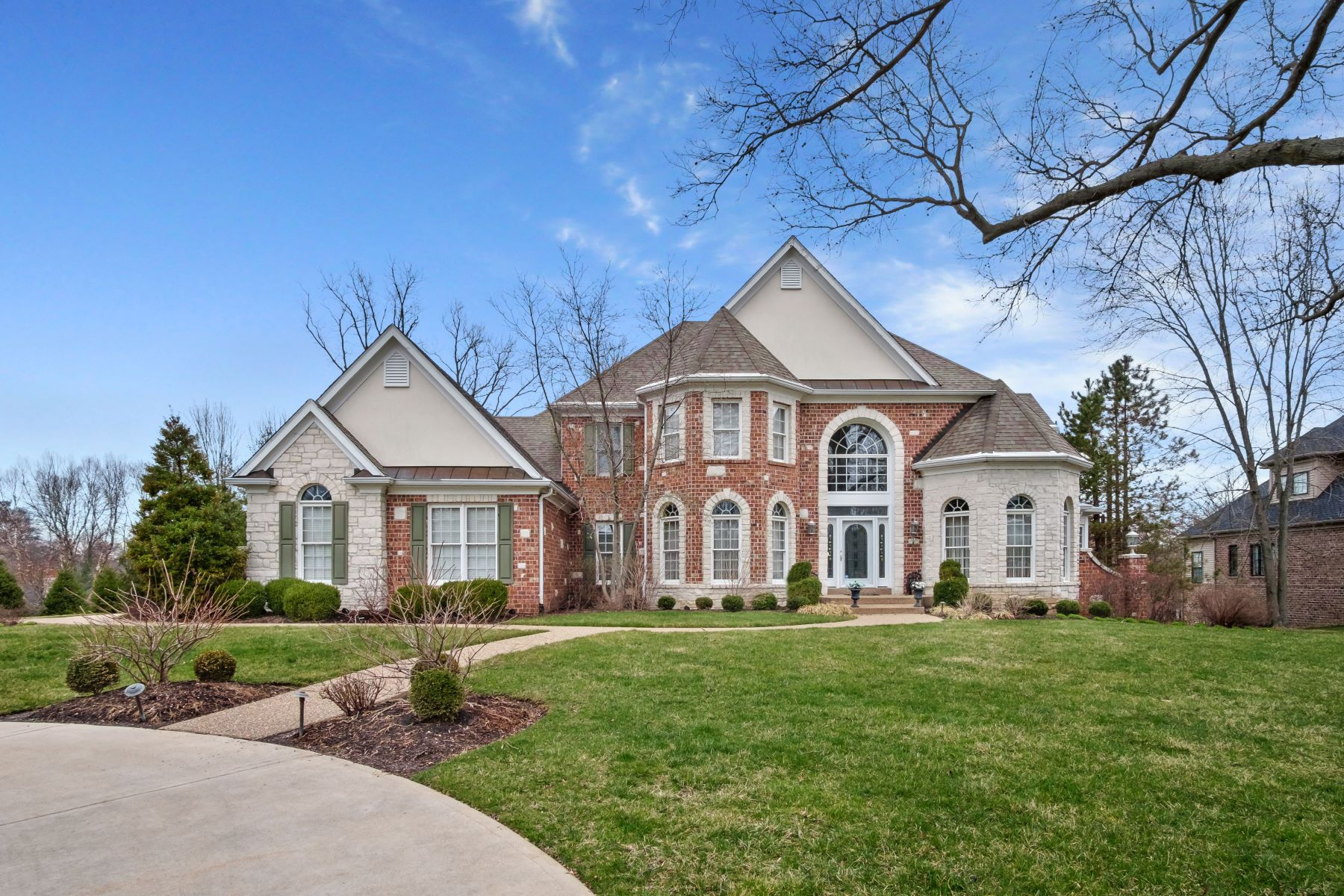 Property for Sale at Prestigious & Spacious Home Nestled In The Heart of Frontenac 11415 Clayton Road Frontenac, Missouri 63131 United States