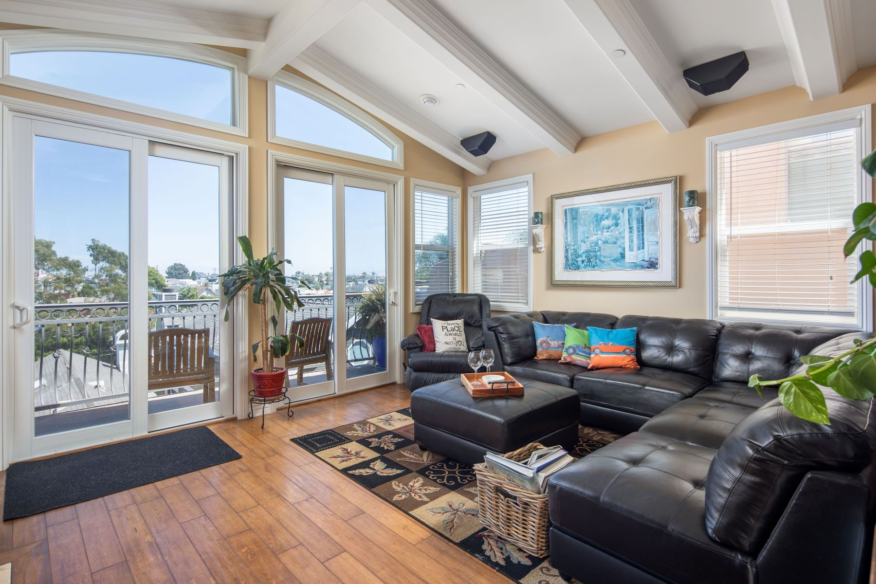 Single Family Homes for Sale at 1704 Harper Avenue, Redondo Beach, CA 90278 1704 Harper Avenue Redondo Beach, California 90278 United States