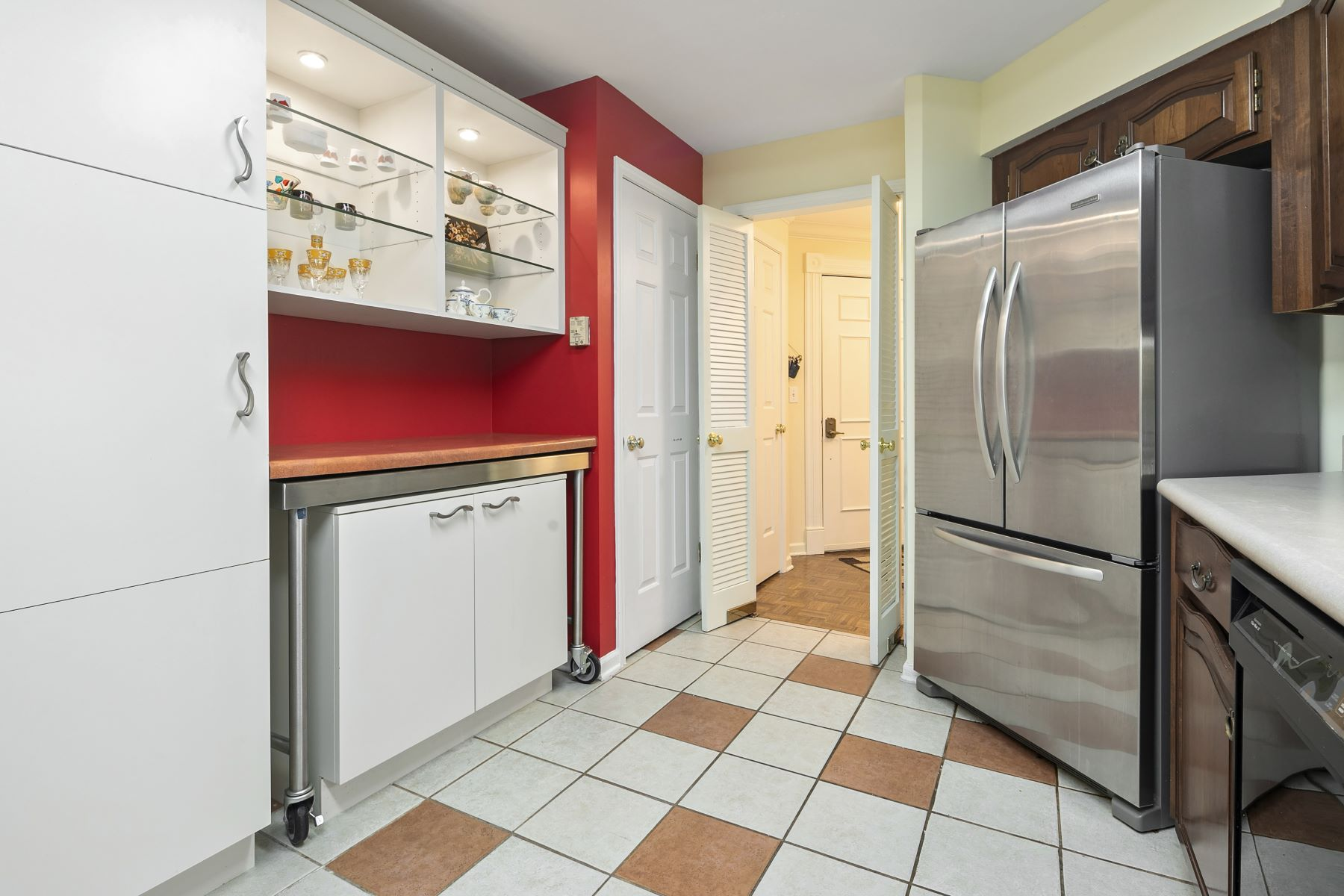 Additional photo for property listing at Central West End Condo 4554 Laclede Avenue #206 St. Louis, Missouri 63108 United States