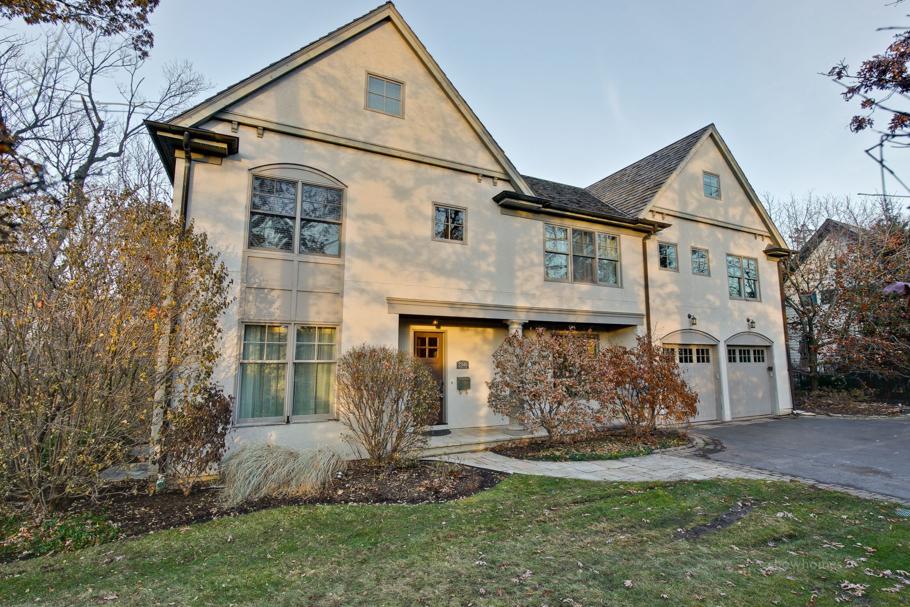 Single Family Homes for Active at Elegant Property 2340 Woodpath Lane Highland Park, Illinois 60035 United States