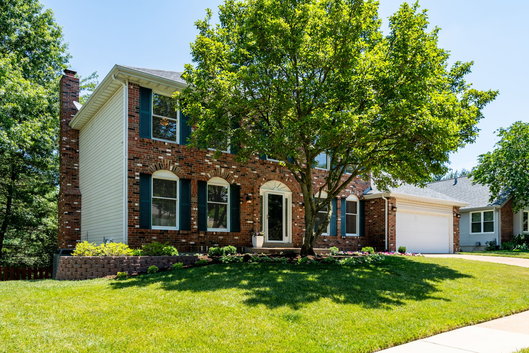 Single Family Homes for Sale at Great Chesterfield Two Story 1809 York Ridge Court Chesterfield, Missouri 63017 United States
