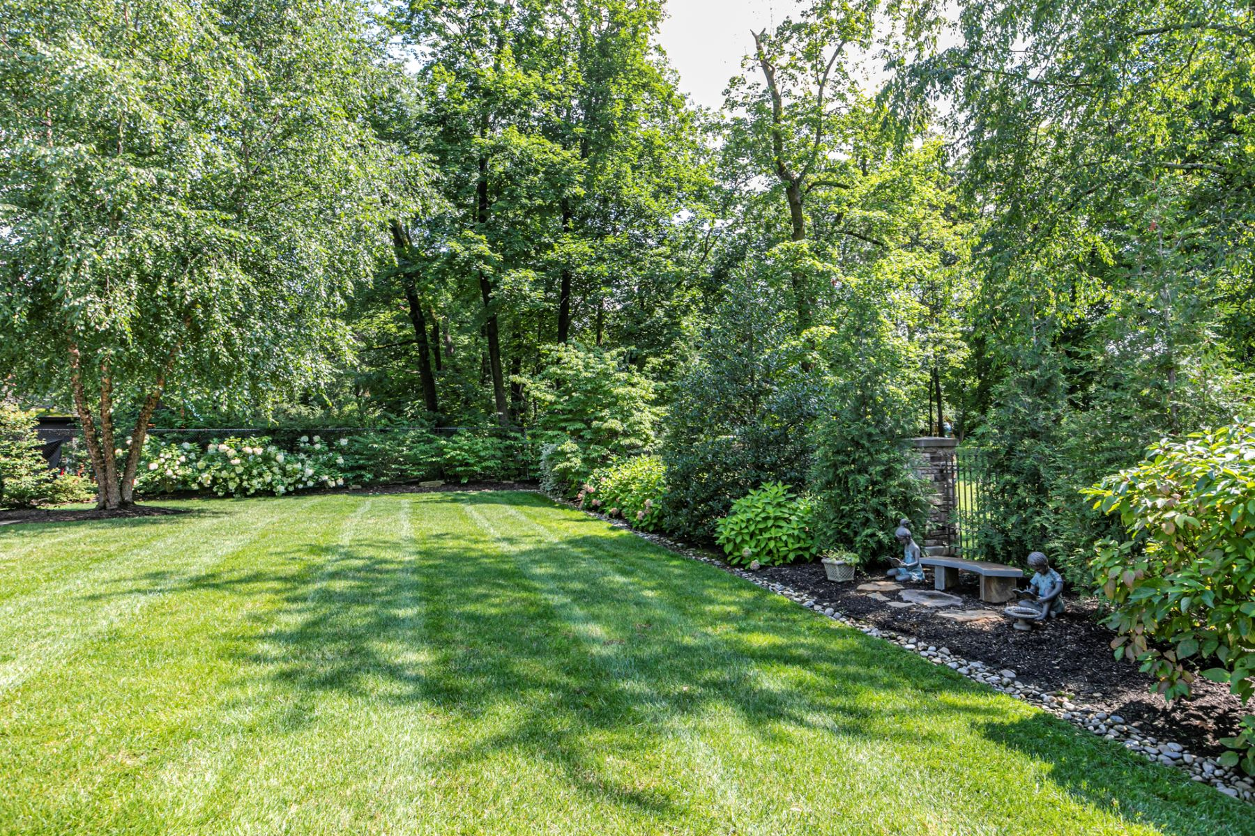 Additional photo for property listing at Heirloom-Quality Details In Edgerstoune Estate 220 Edgerstoune Road, Princeton, New Jersey 08540 United States