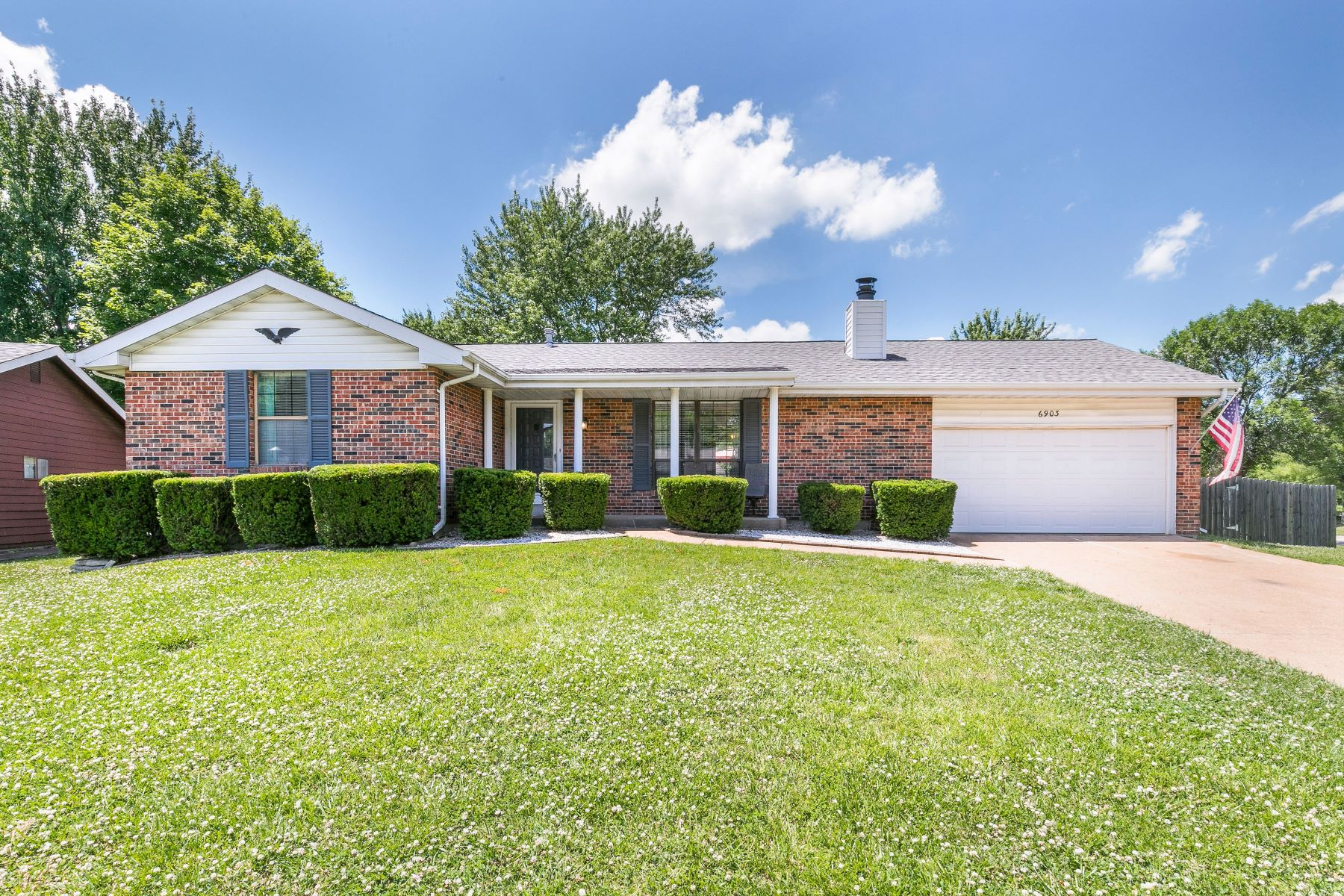 Single Family Homes for Sale at Stylish Oakville Ranch 6903 Cottage Grove Lane St. Louis, Missouri 63129 United States
