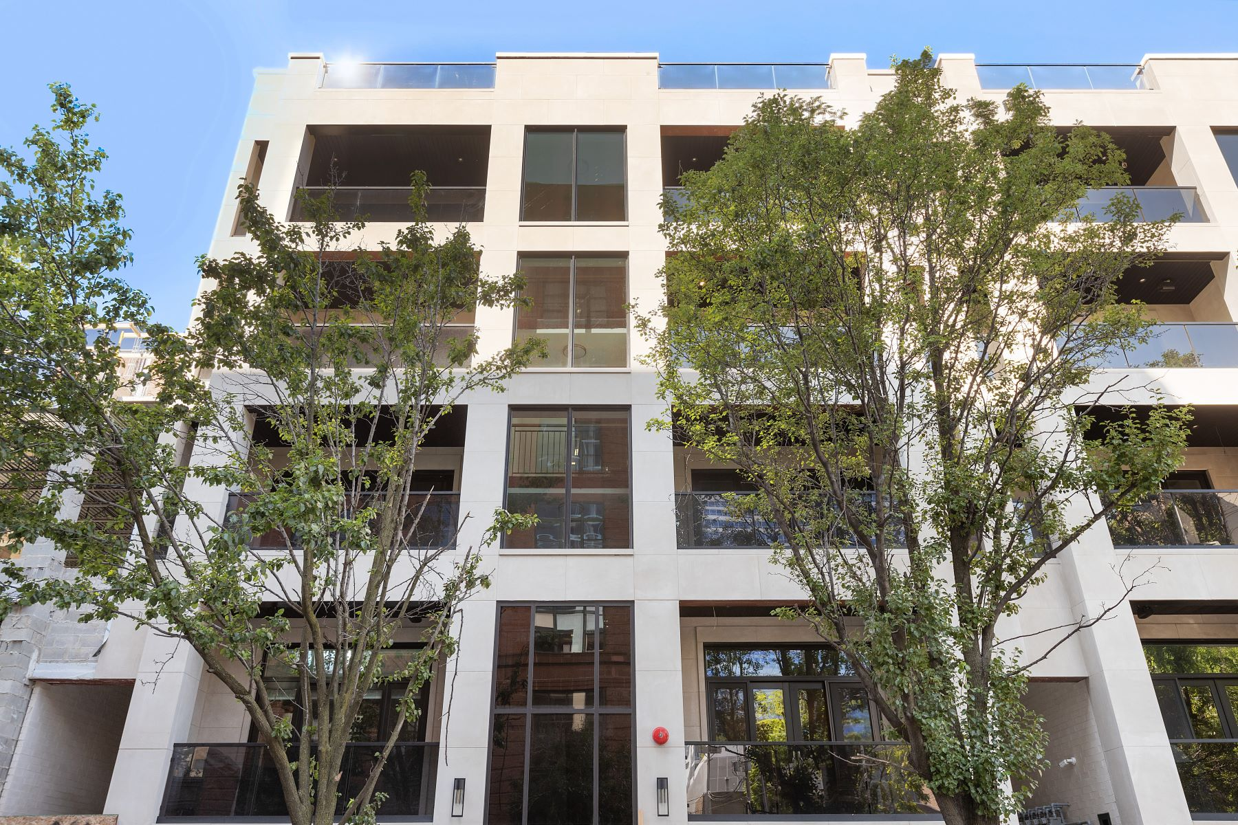Condominiums for Active at West Loop Collection 226 S Green Street Unit 1S Chicago, Illinois 60607 United States