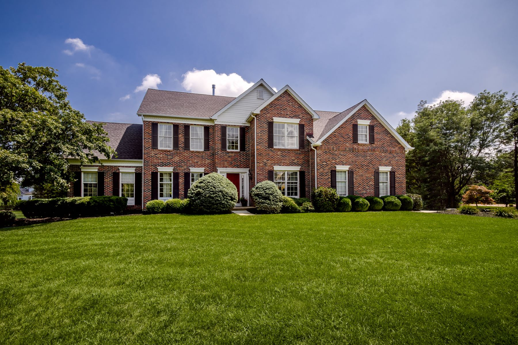 Property para Venda às A Fresh Take on Sophistication 40 Reed Drive South, West Windsor, Nova Jersey 08550 Estados Unidos