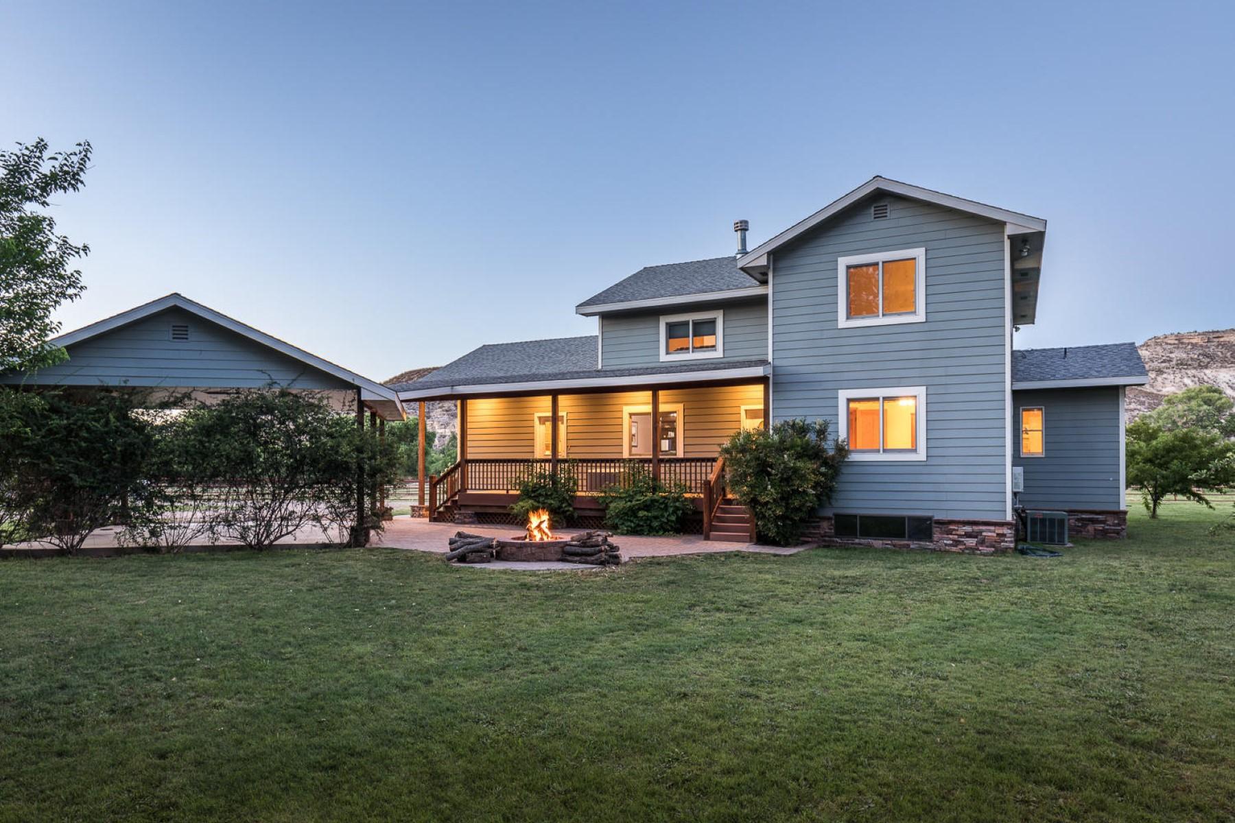 Single Family Homes 为 销售 在 Camp Verde Horse Property 210 E Koebrich LN Camp Verde, 亚利桑那州 86322 美国