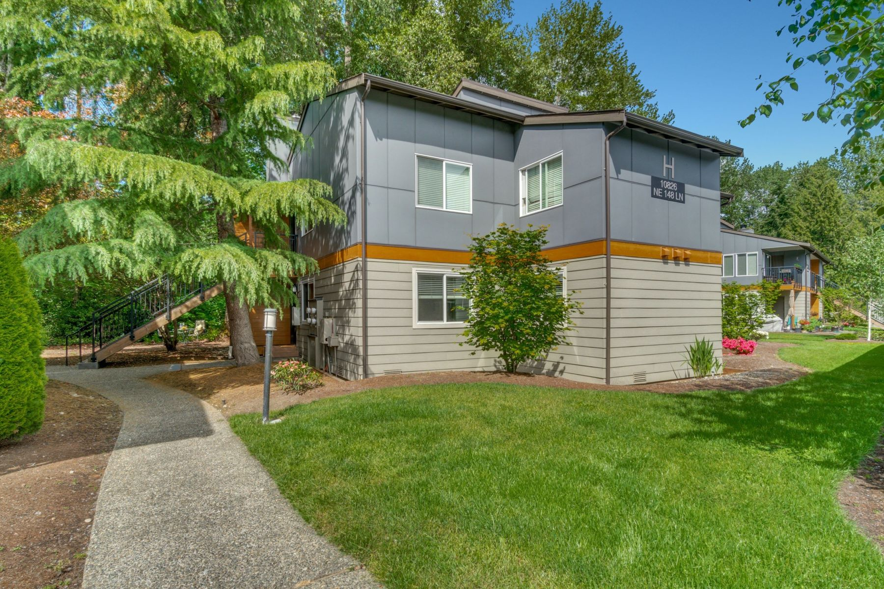 Condominiums for Sale at 10826 NE 148th Lane Unit #H101, Bothell, WA 98011 Bothell, Washington 98011 United States