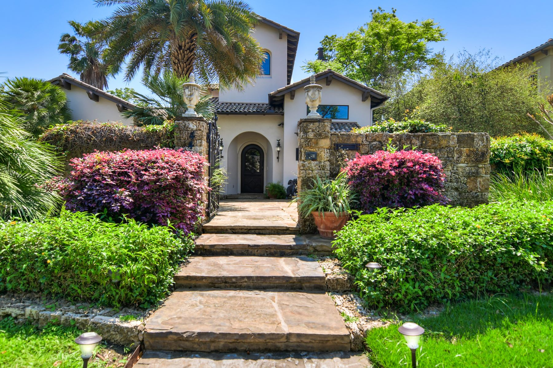 Single Family Homes for Sale at Stunning Terrell Hills Sanctuary 442 Canterbury Hill Street San Antonio, Texas 78209 United States