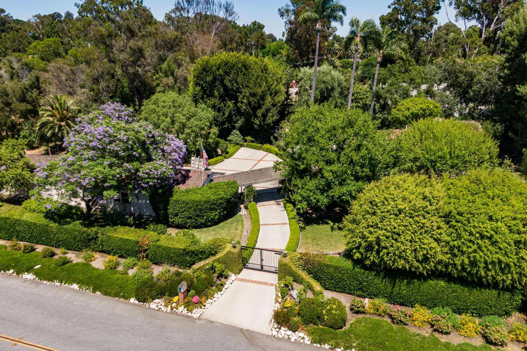 Single Family Homes for Sale at 3849 Paseo Del Campo, Palos Verdes Estates, CA 90274 3849 Paseo Del Campo Palos Verdes Estates, California 90274 United States
