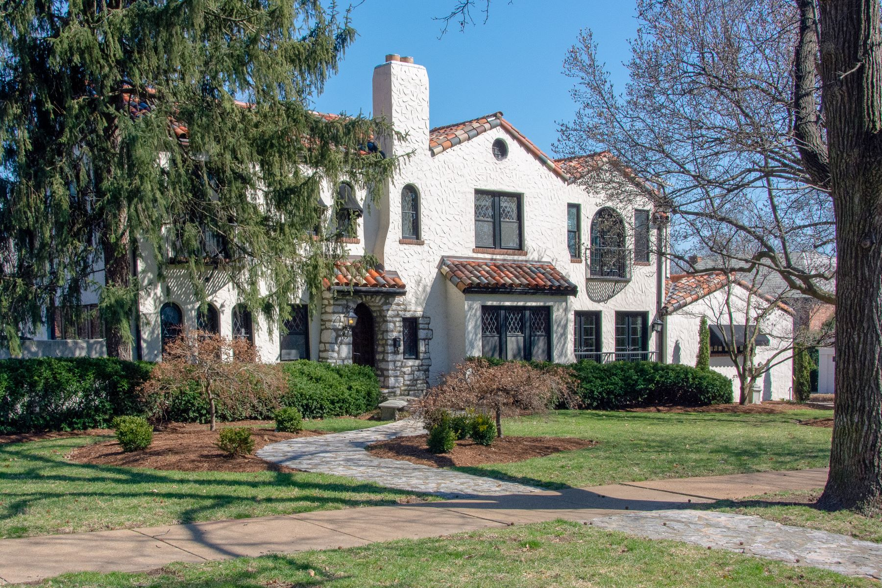 single family homes for Sale at Crestwood Dr 60 Crestwood Drive Clayton, Missouri 63105 United States