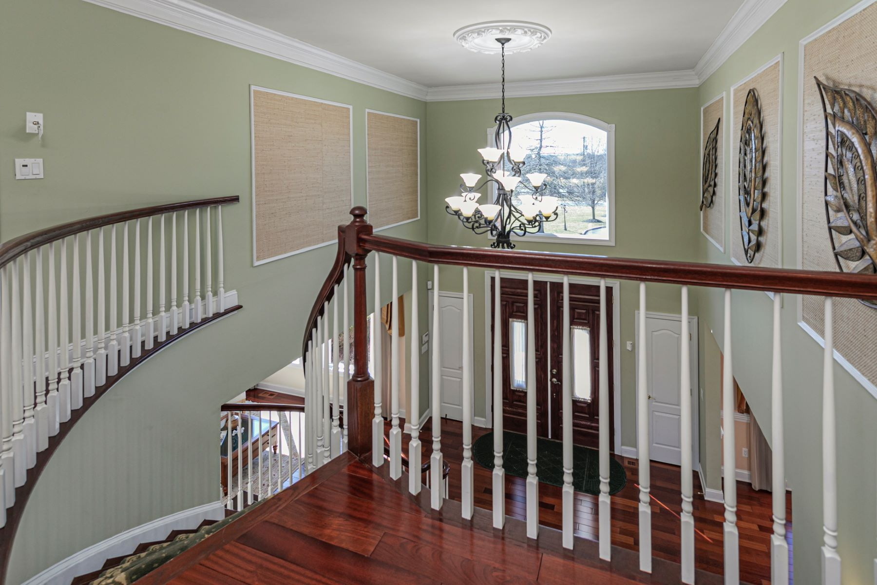 Additional photo for property listing at Impressive Home Accommodates Multi-Generational Living With Ease 296 Harlingen Road, Belle Mead, New Jersey 08502 United States