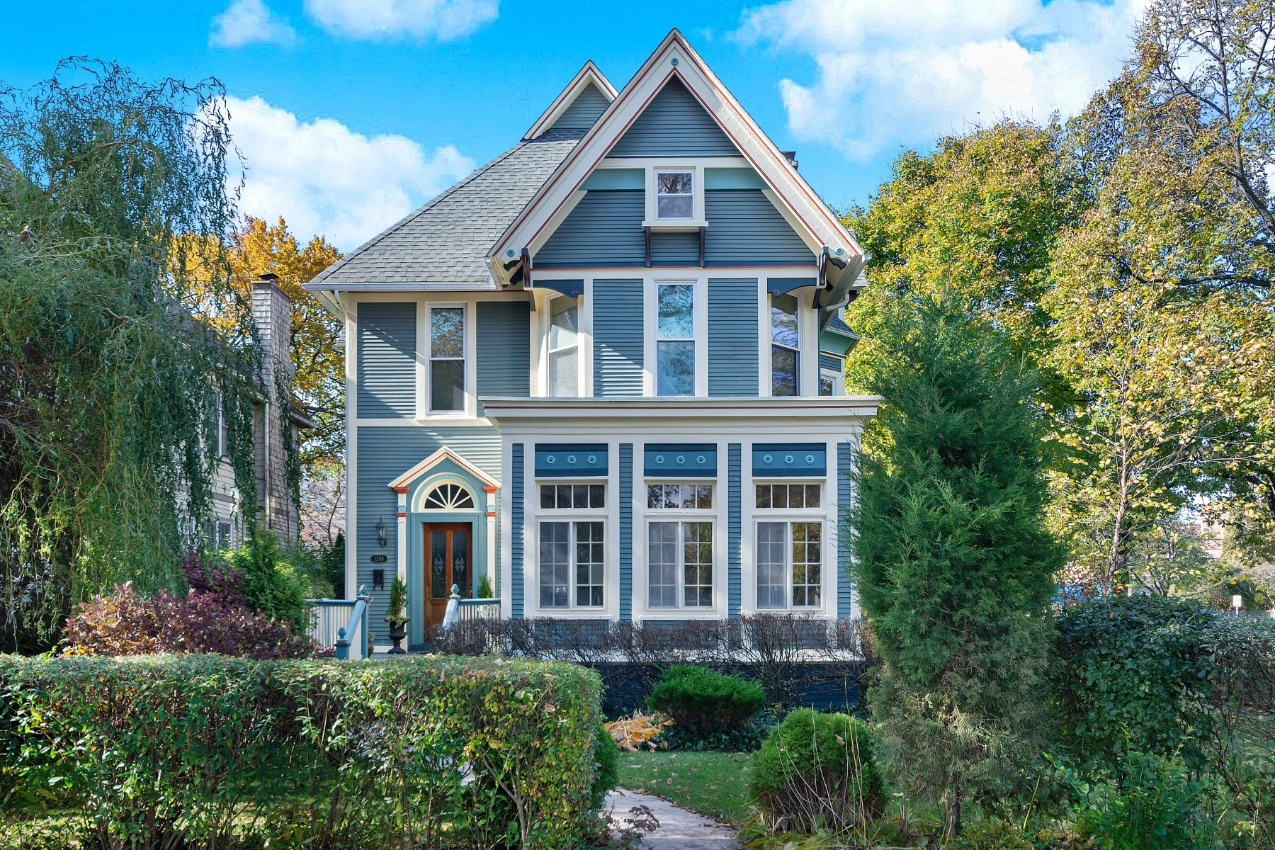 Single Family Homes for Active at Stunning Landmark Victorian 1246 Hinman Avenue Evanston, Illinois 60202 United States