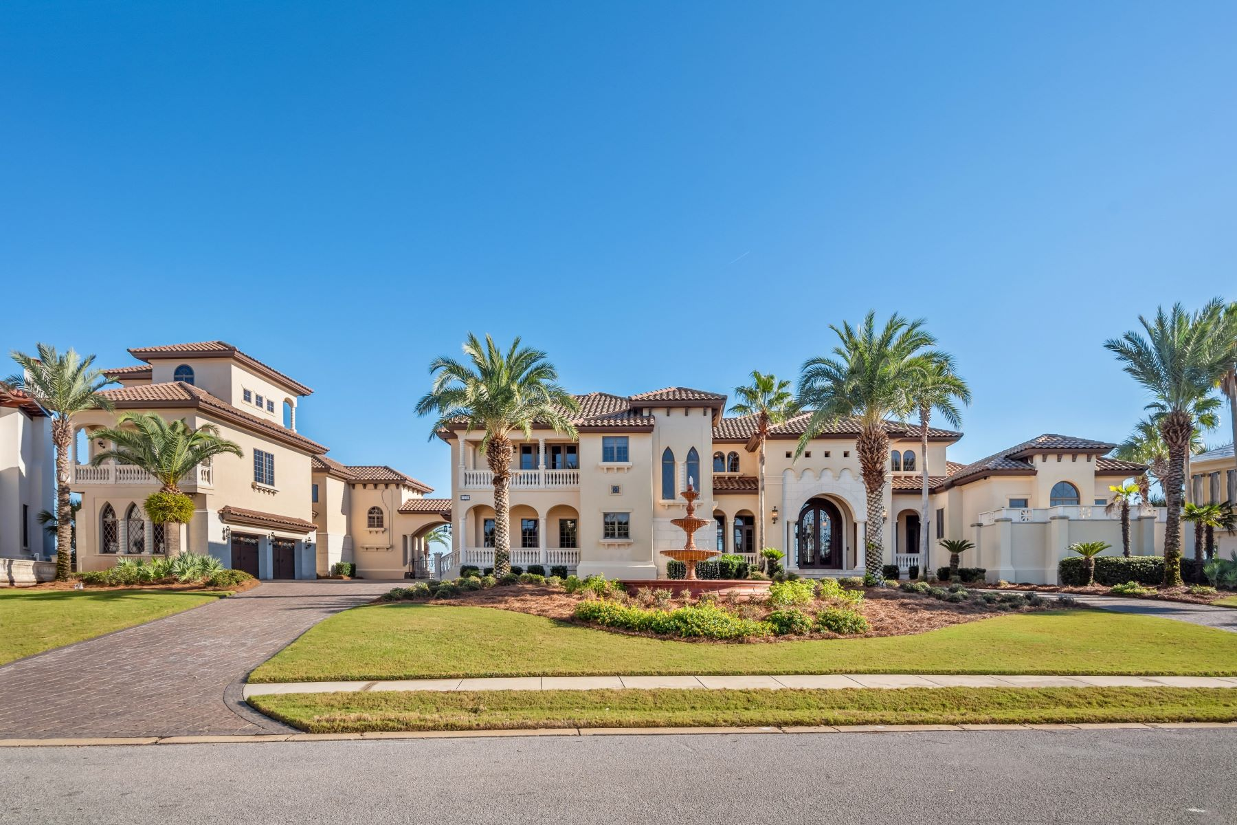 Single Family Homes for Active at Magnificent Bayfront Home on the Point with Docks and Boat Slips 5222 Finisterre Drive Panama City, Florida 32408 United States