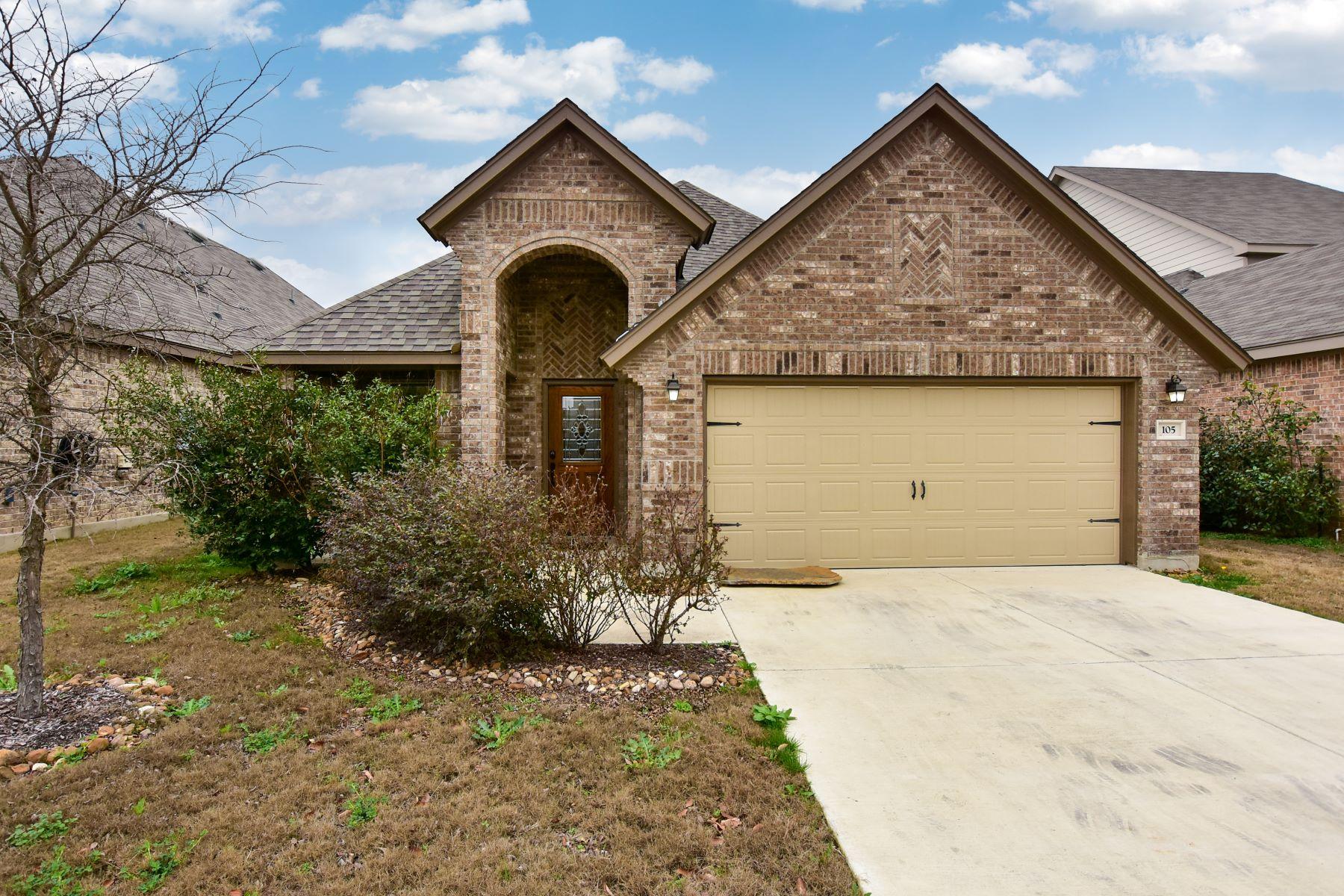 واحد منزل الأسرة للـ Sale في Stunning Home in Boerne 105 Santa Anita Road, Boerne, Texas, 78006 United States