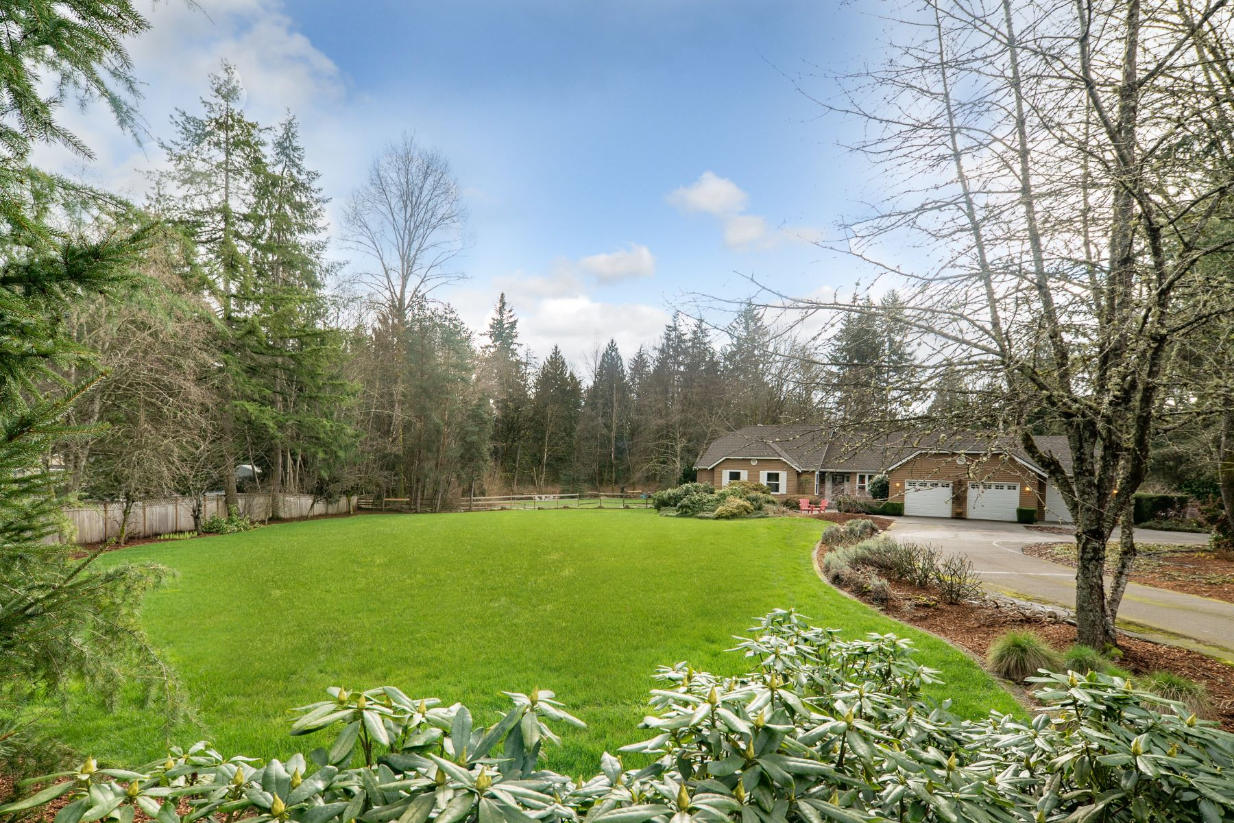 Single Family Homes 용 매매 에 Hollywood Hill Retreat 16115 NE 136th Place Woodinville, 워싱톤 98072 미국