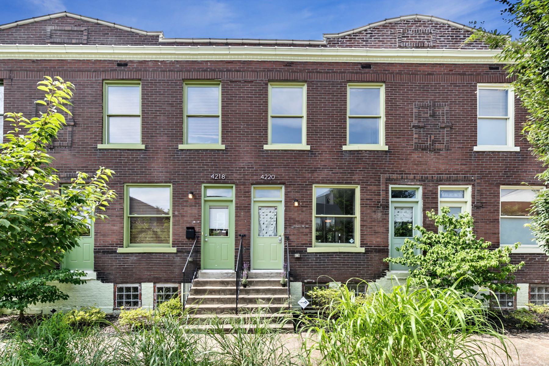 Additional photo for property listing at Grove Living in a Classic Row House 4220 Gibson Ave St. Louis, Missouri 63110 United States